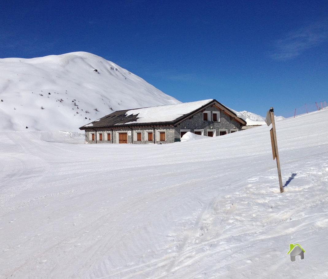 Negozio / Locale in affitto a Valdisotto, 9999 locali, zona Zona: Oga, Trattative riservate | CambioCasa.it