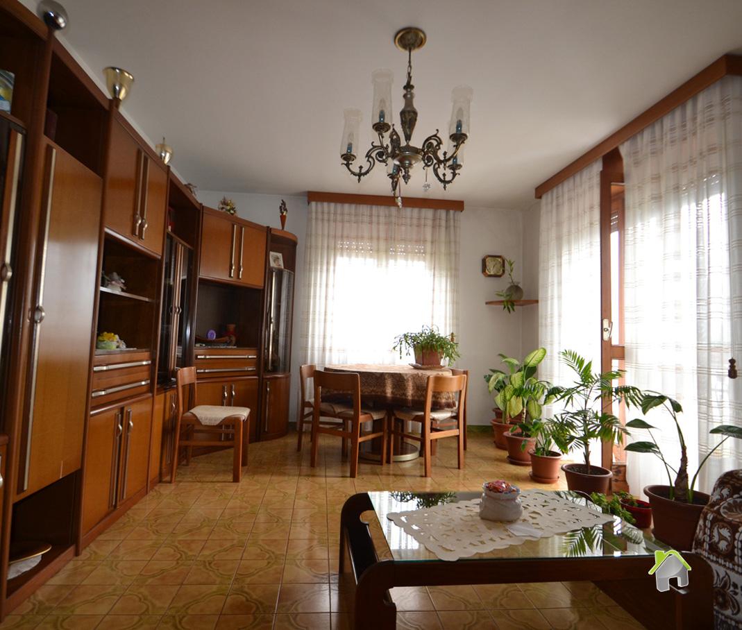 Appartamento in vendita a Chiuro, 4 locali, zona Zona: Casacce, prezzo € 110.000 | CambioCasa.it