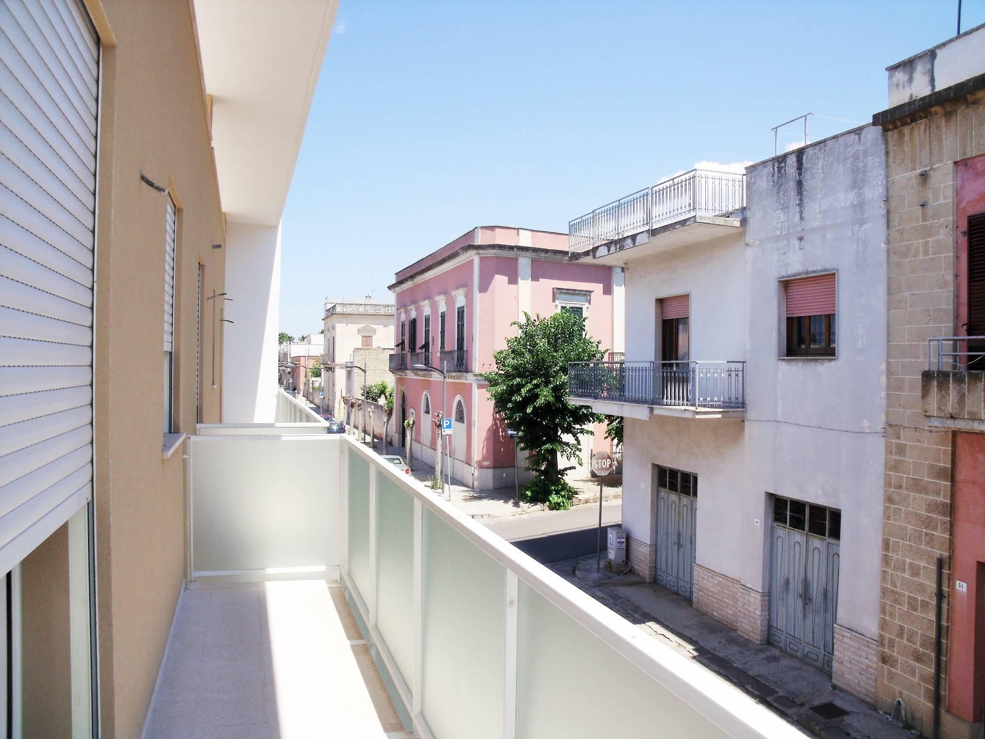 Appartamento in vendita a Matino, 9 locali, prezzo € 198.000 | CambioCasa.it