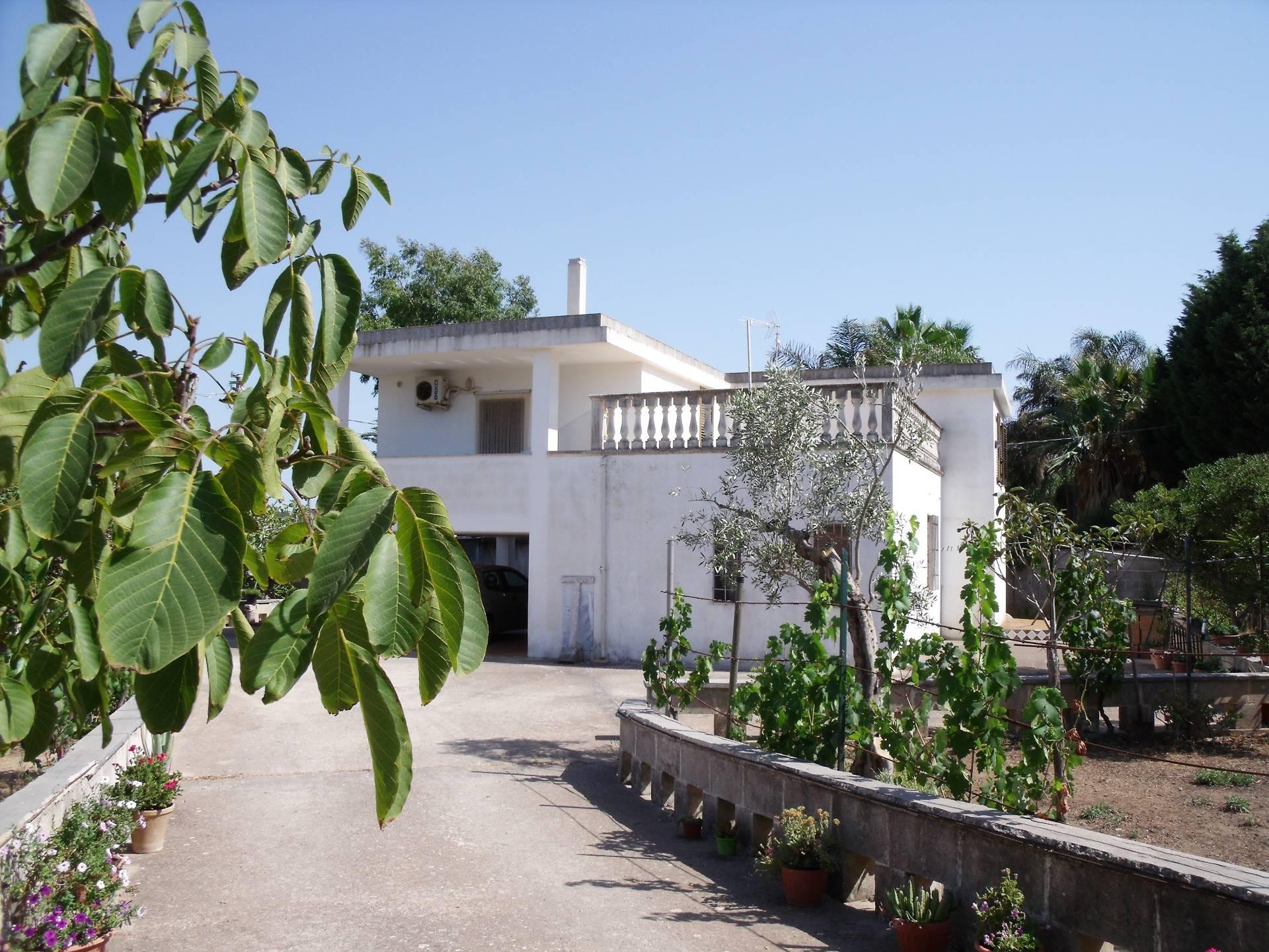 Villa in Vendita a Matino
