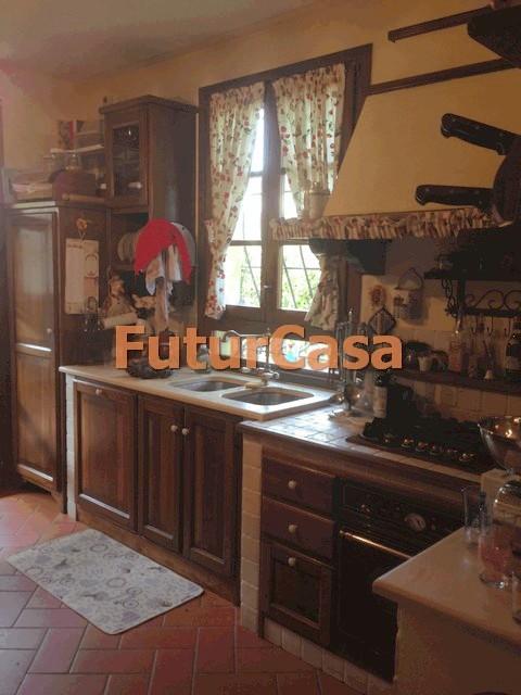 Villa in vendita a Castelfranco di Sotto, 5 locali, zona Zona: Orentano, prezzo € 230.000 | CambioCasa.it