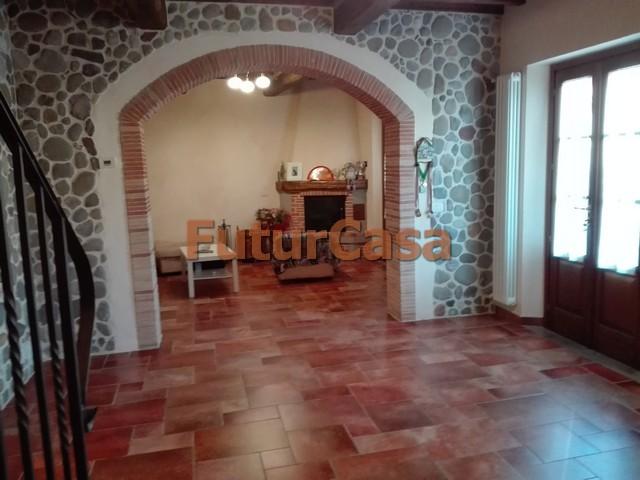 Agriturismo in vendita a Porcari, 6 locali, zona Zona: Rughi, prezzo € 205.000 | CambioCasa.it