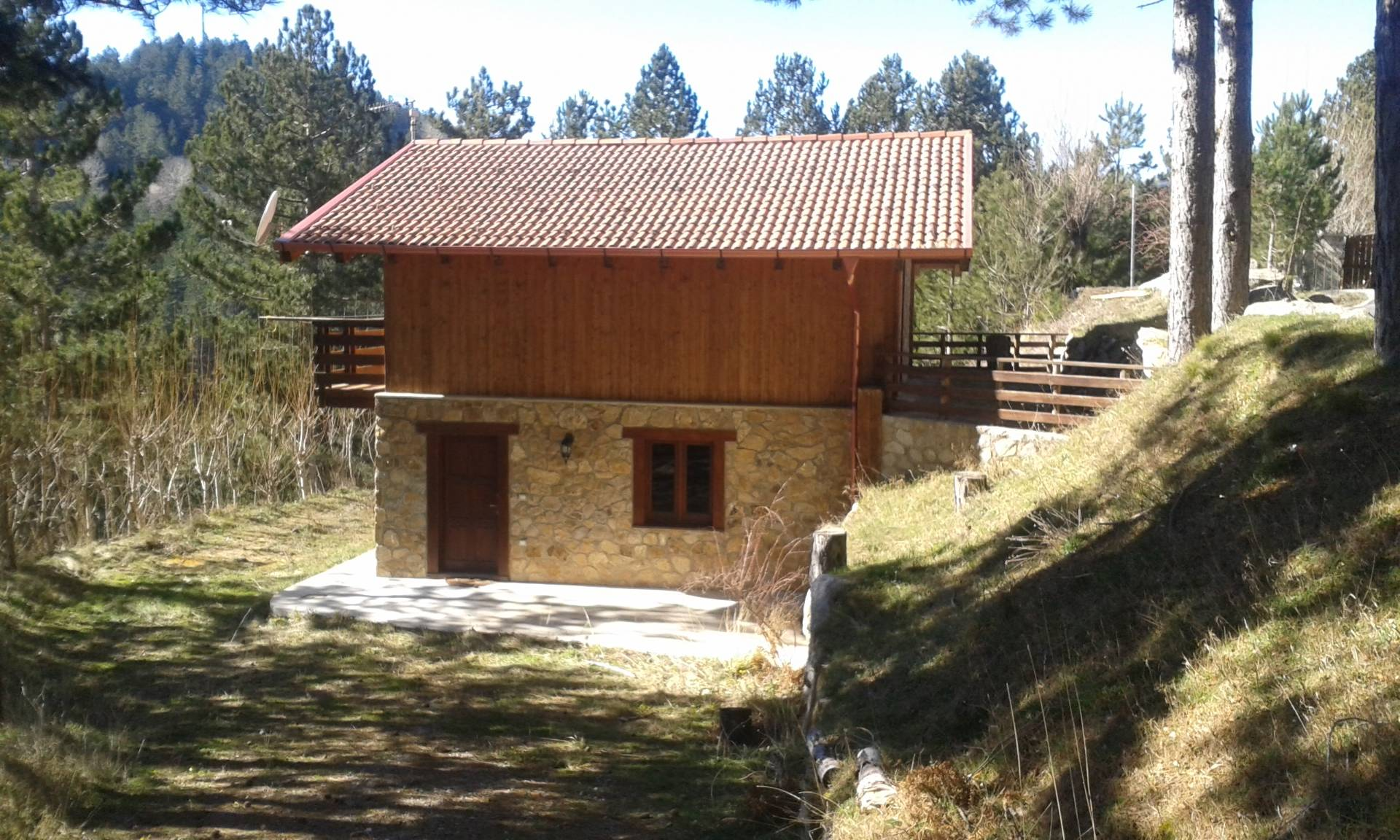 Villa in vendita a Cotronei, 4 locali, prezzo € 85.000 | CambioCasa.it