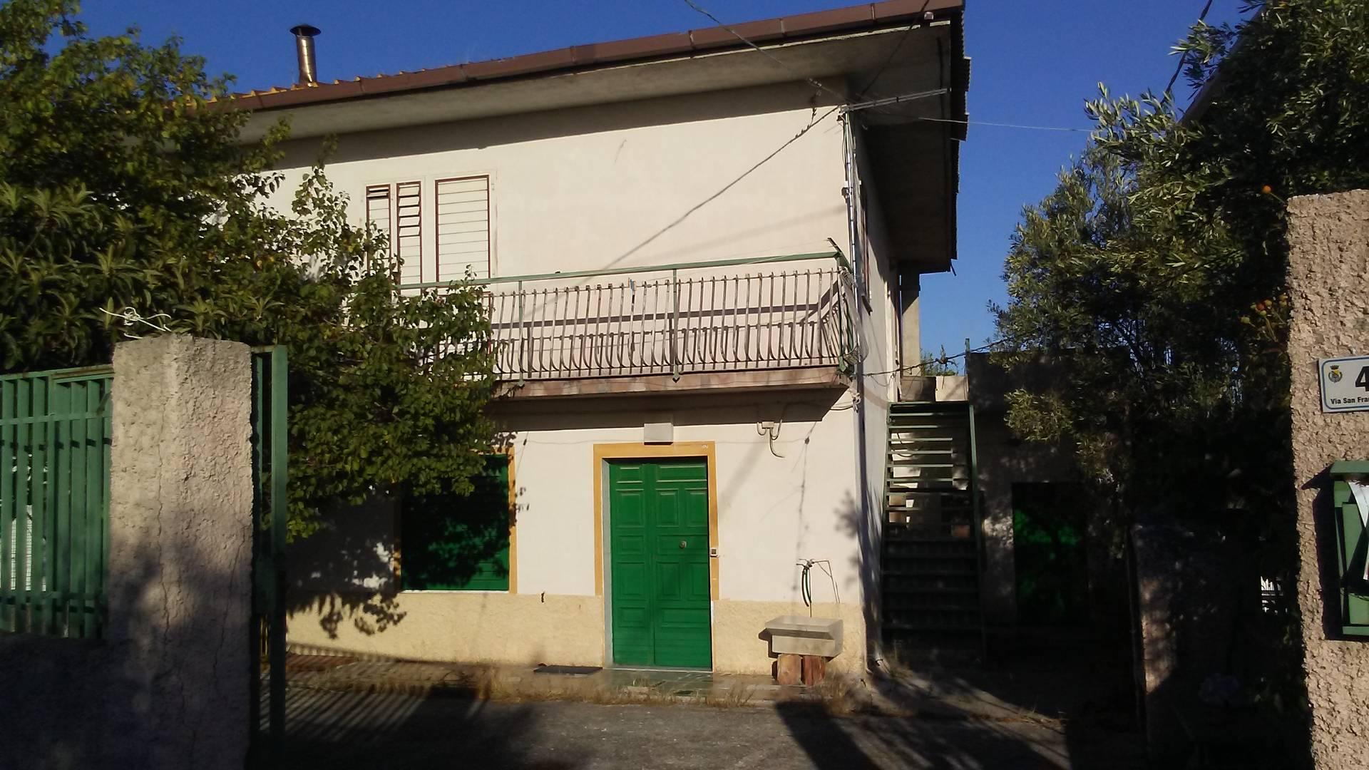 Soluzione Indipendente in vendita a Lamezia Terme, 6 locali, zona Zona: Sambiase, prezzo € 110.000   CambioCasa.it