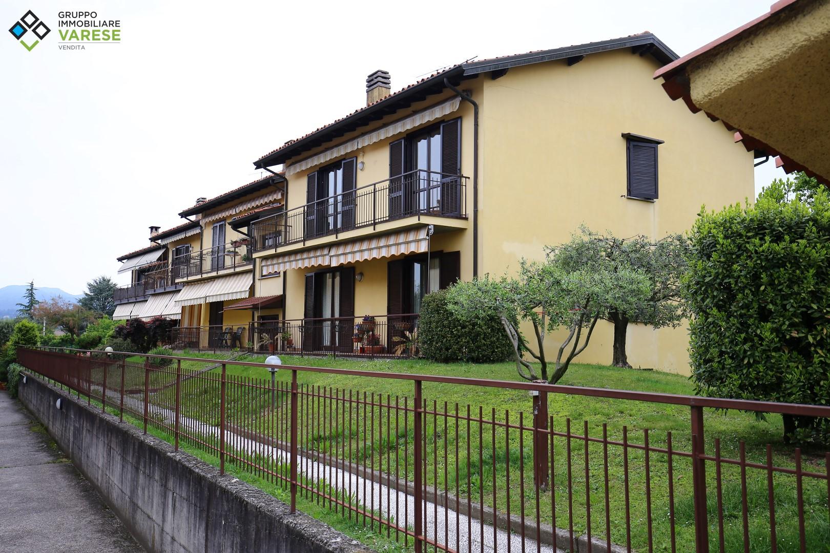 Appartamento in vendita a Buguggiate, 4 locali, prezzo € 159.000 | CambioCasa.it