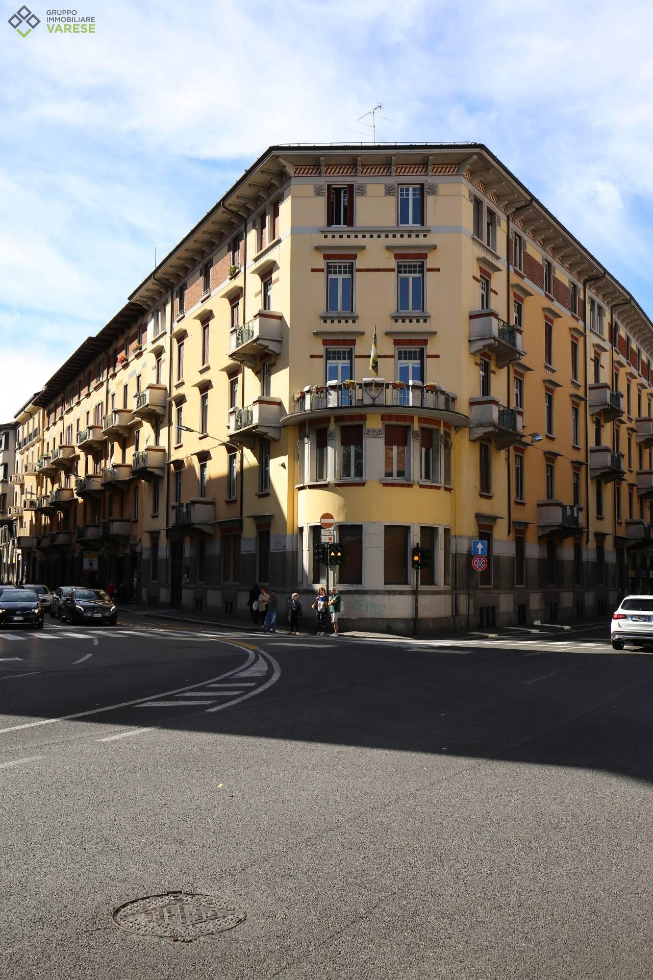 Attico / Mansarda in vendita a Varese, 3 locali, zona Zona: Centro, prezzo € 405.000 | CambioCasa.it