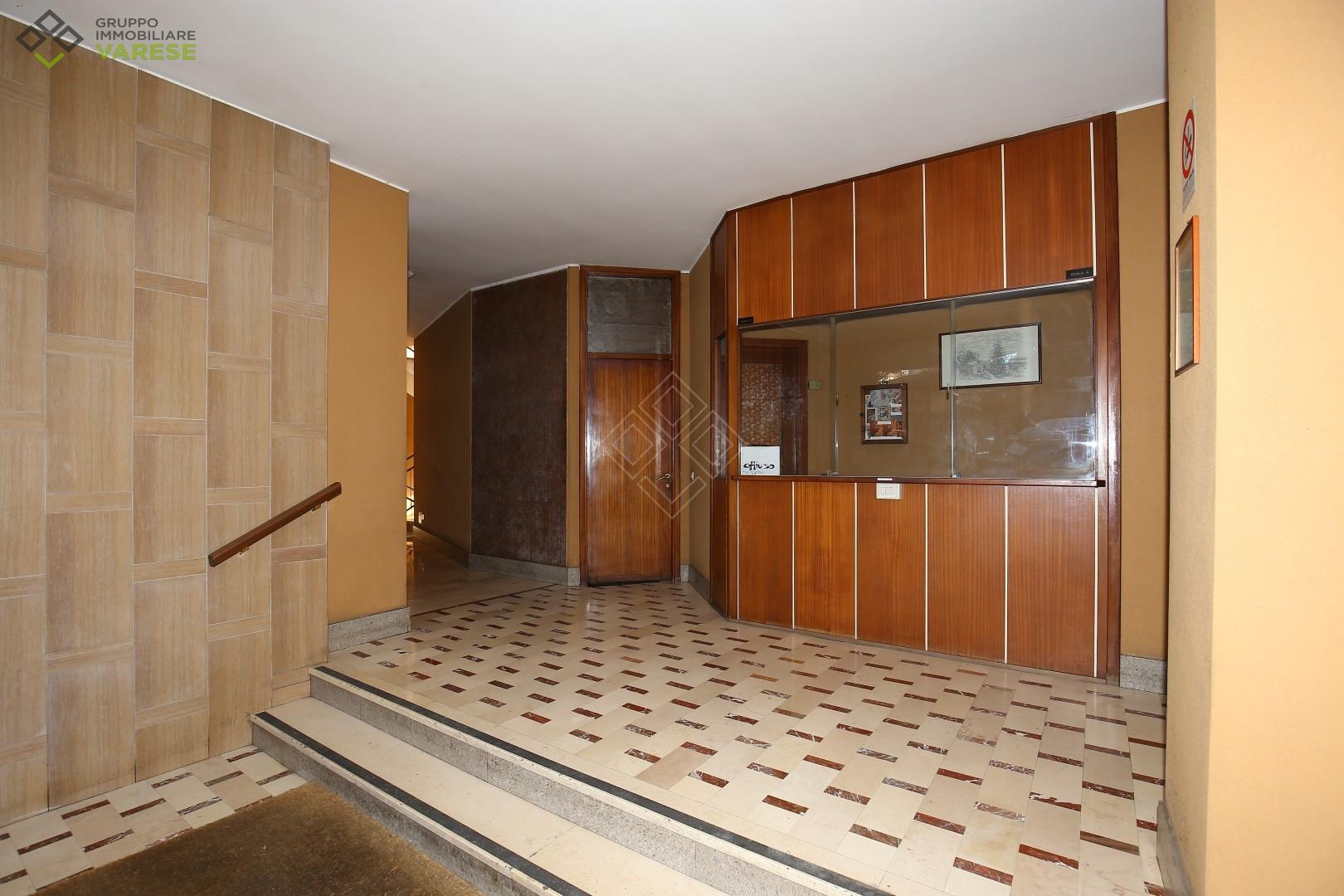 Attico / Mansarda in vendita a Varese, 2 locali, zona Zona: Masnago, prezzo € 115.000 | CambioCasa.it
