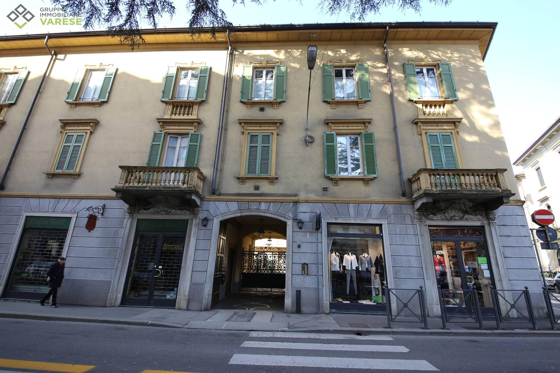 Loft / Openspace in vendita a Varese, 4 locali, zona Zona: Centro, prezzo € 850.000 | CambioCasa.it
