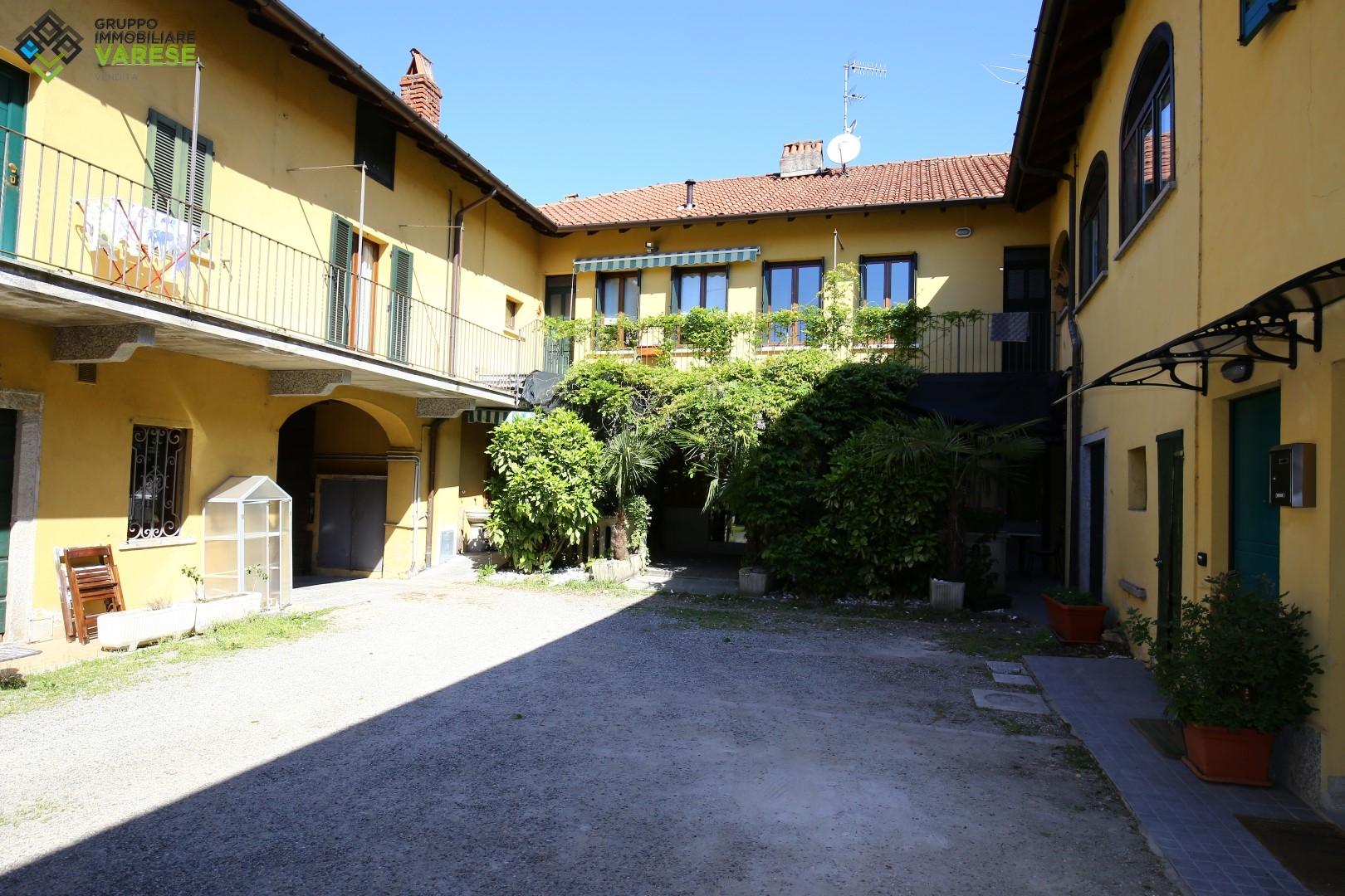 Appartamento in vendita a Travedona-Monate, 4 locali, prezzo € 115.000 | CambioCasa.it