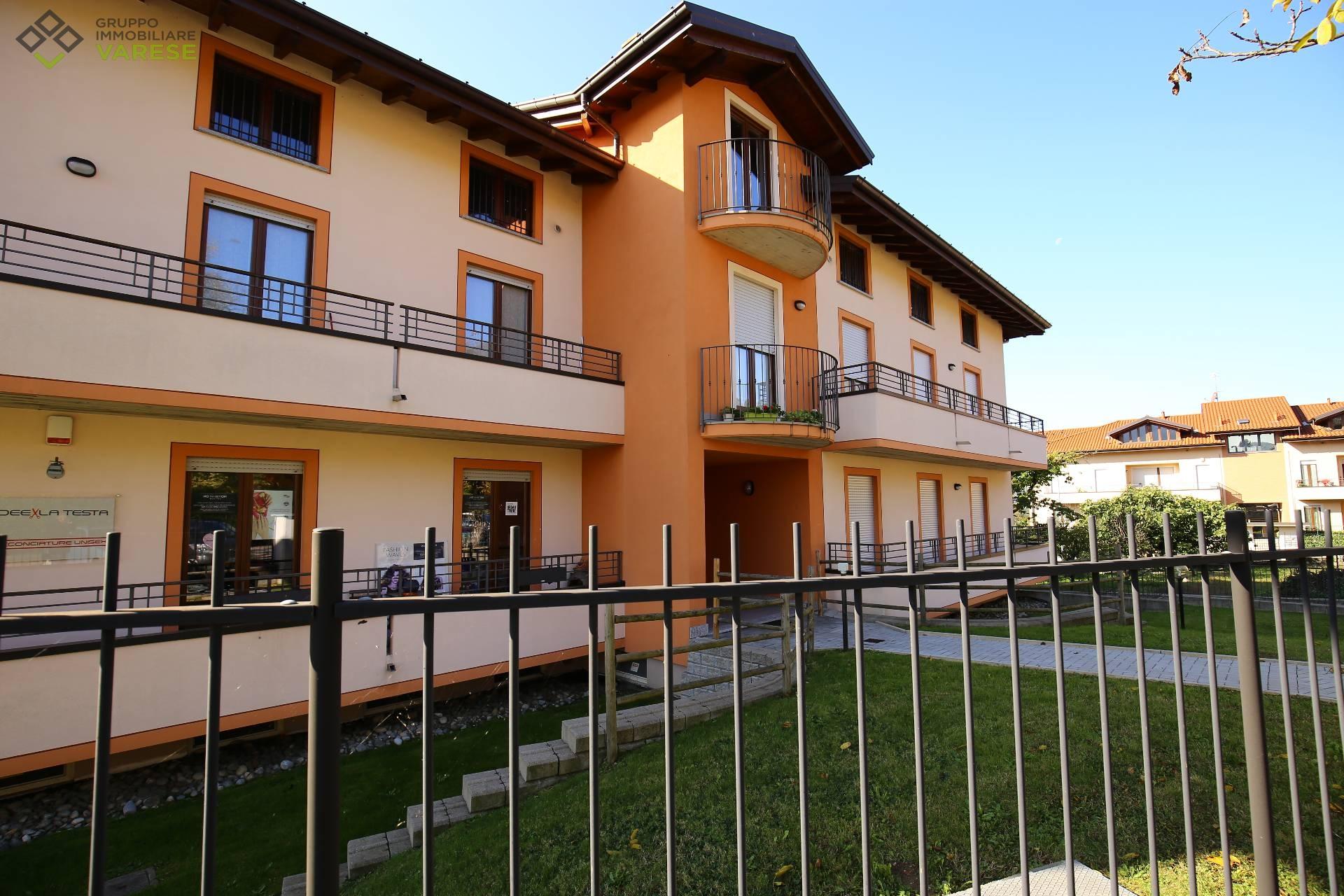 Appartamento in vendita a Cittiglio, 3 locali, prezzo € 158.000 | CambioCasa.it