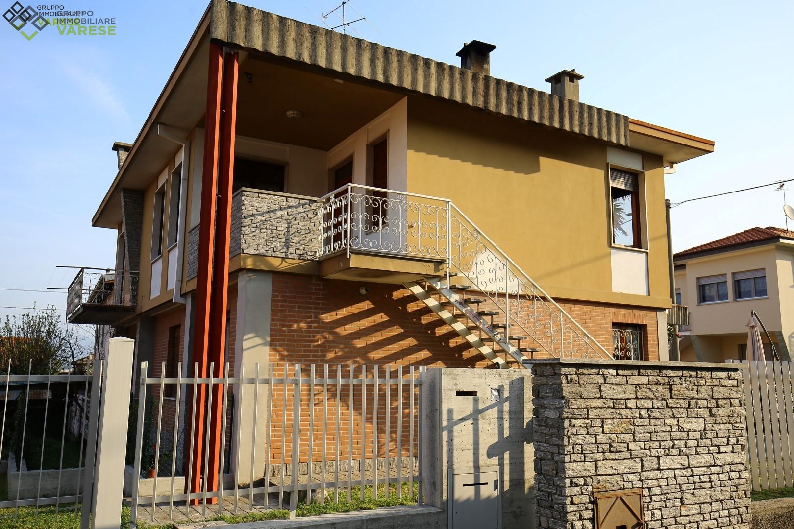 Appartamento in vendita a Varano Borghi, 5 locali, prezzo € 195.000 | CambioCasa.it
