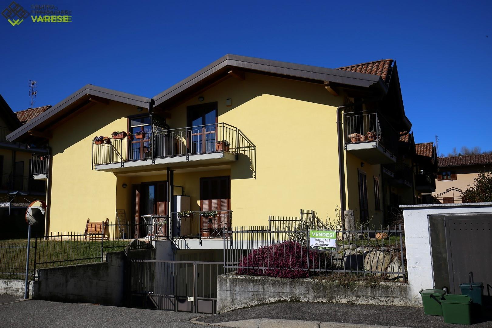 Appartamento in vendita a Ternate, 3 locali, prezzo € 160.000 | CambioCasa.it