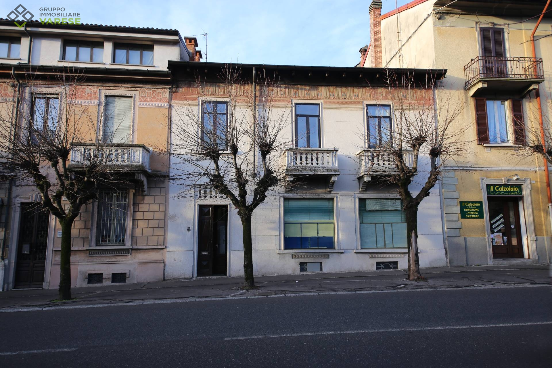 Appartamento in vendita a Gavirate, 3 locali, prezzo € 110.000 | CambioCasa.it