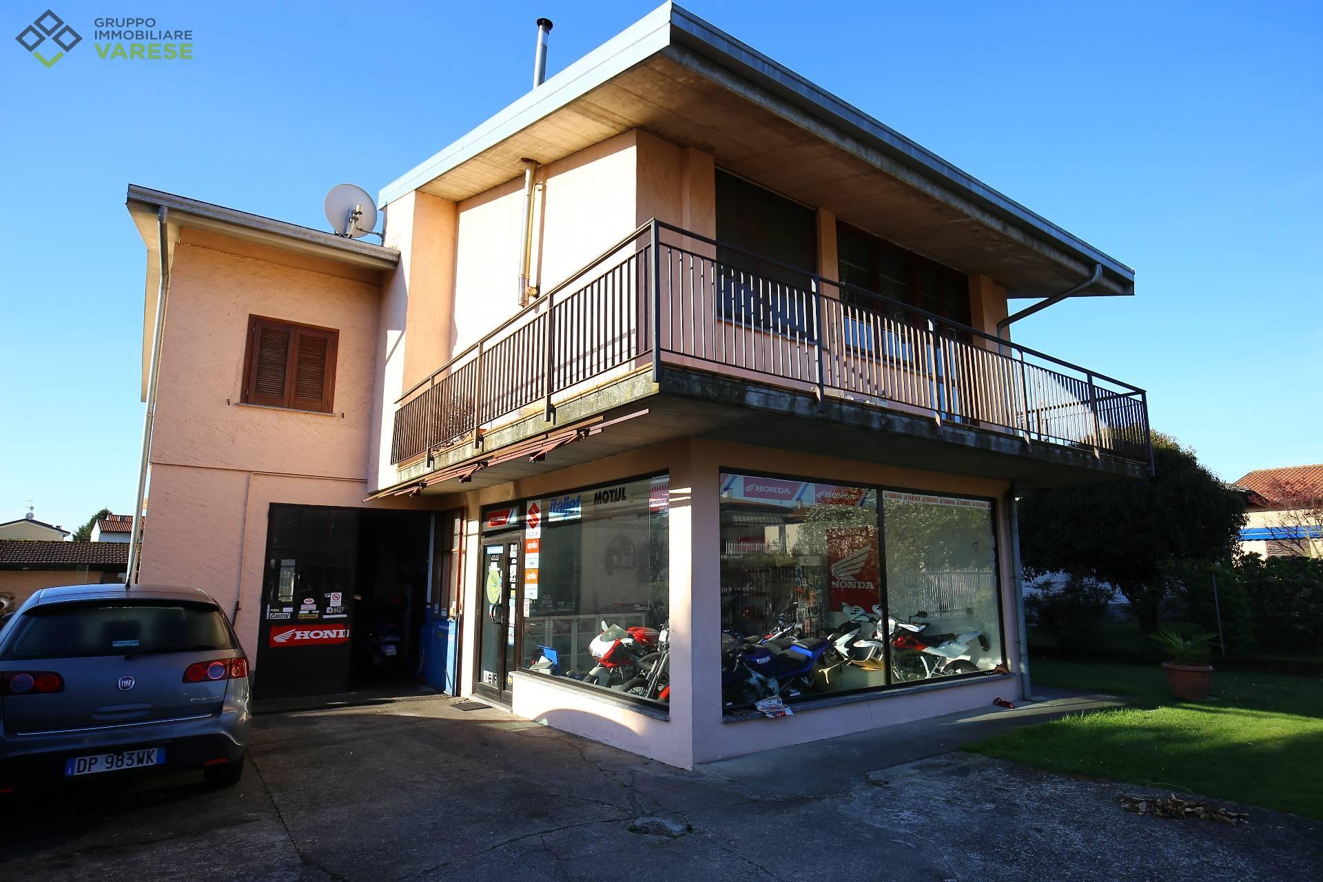 Soluzione Indipendente in vendita a Besozzo, 4 locali, zona Zona: Olginasio, prezzo € 249.000   CambioCasa.it