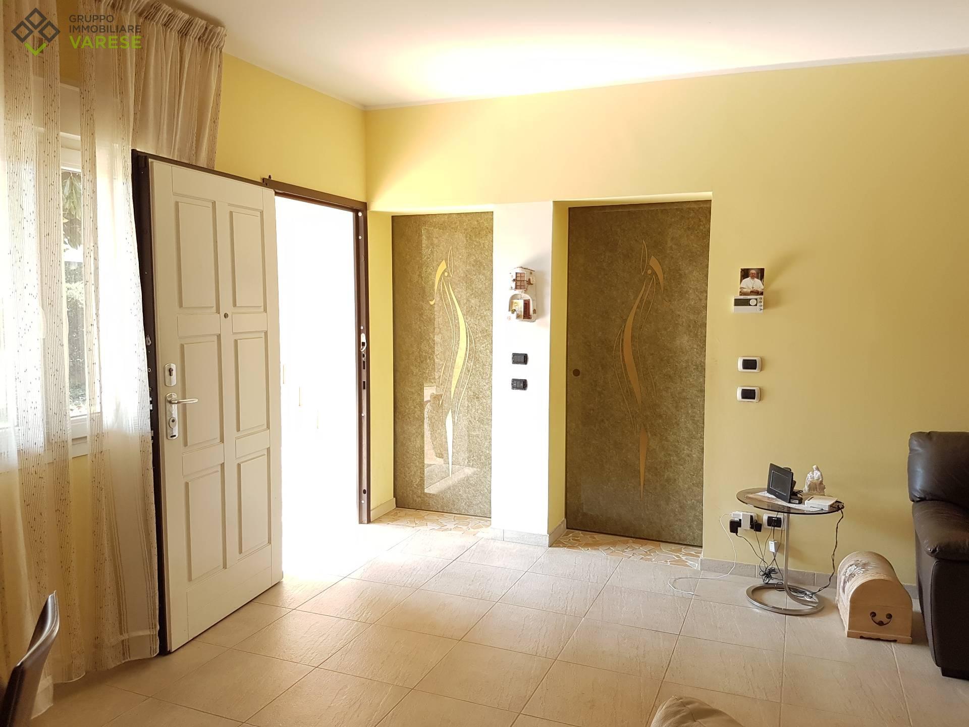 Villa in vendita a Cavaria con Premezzo, 6 locali, prezzo € 325.000 | CambioCasa.it
