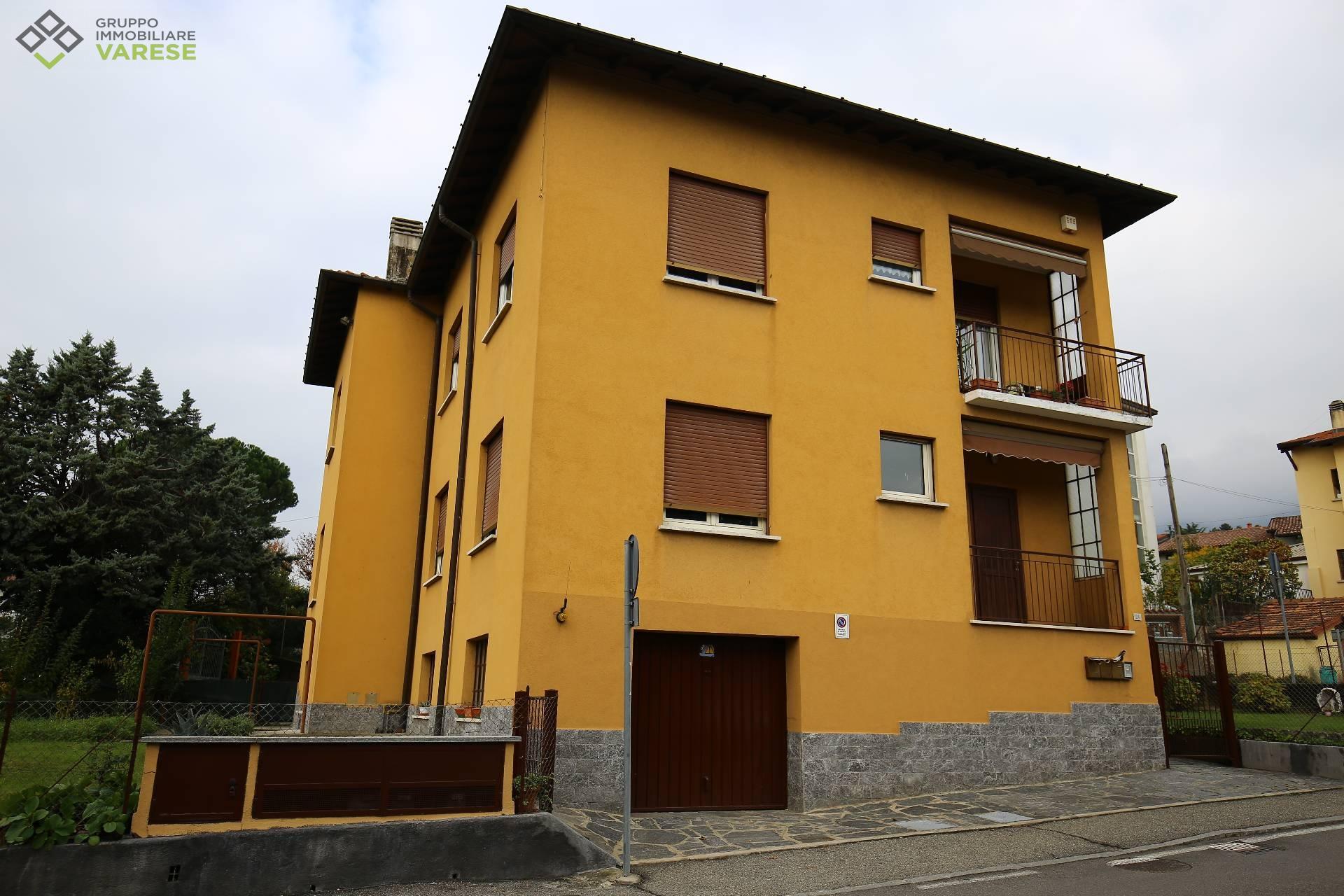 Appartamento in vendita a Casciago, 4 locali, prezzo € 210.000 | CambioCasa.it