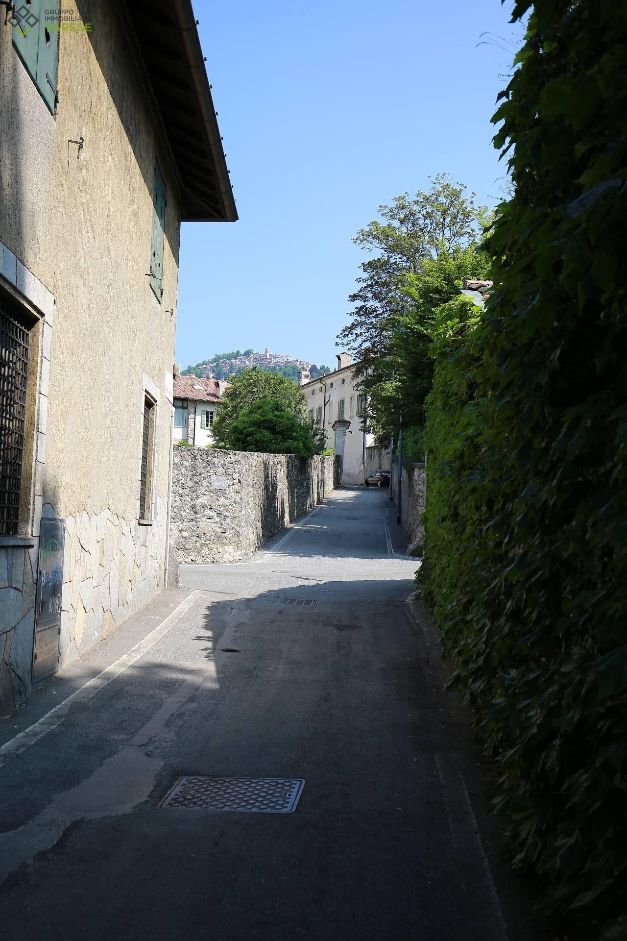 Soluzione Indipendente in vendita a Varese, 3 locali, zona Zona: Velate, prezzo € 129.000 | CambioCasa.it