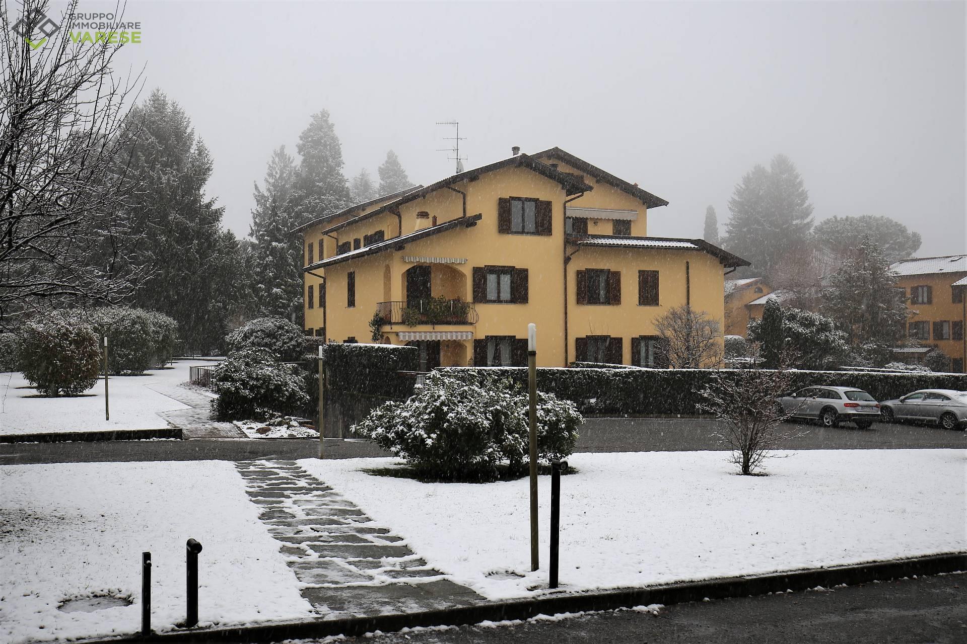 Appartamento in vendita a Luvinate, 3 locali, prezzo € 190.000 | CambioCasa.it