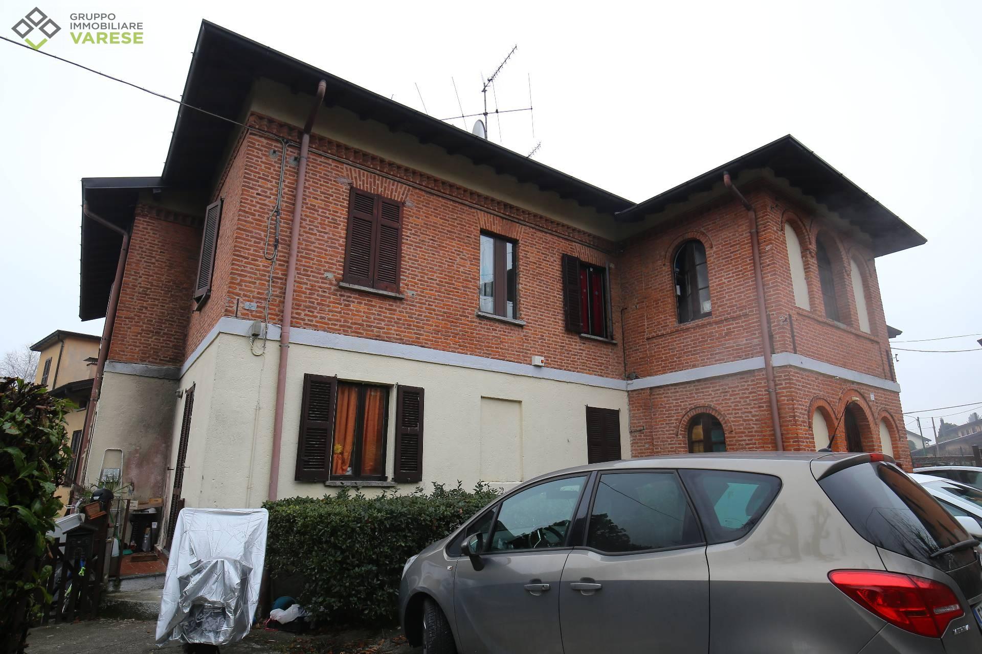 Appartamento in Vendita a Barasso