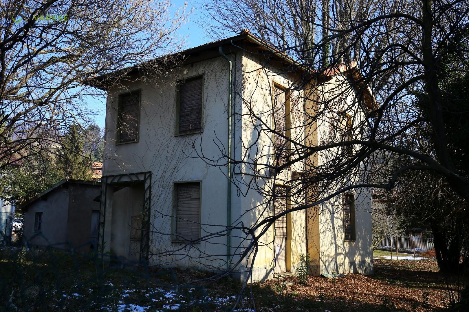 Villa in vendita a Luvinate, 3 locali, prezzo € 200.000 | CambioCasa.it