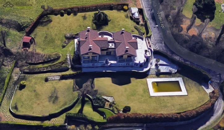 Villa in Vendita a Galliate Lombardo