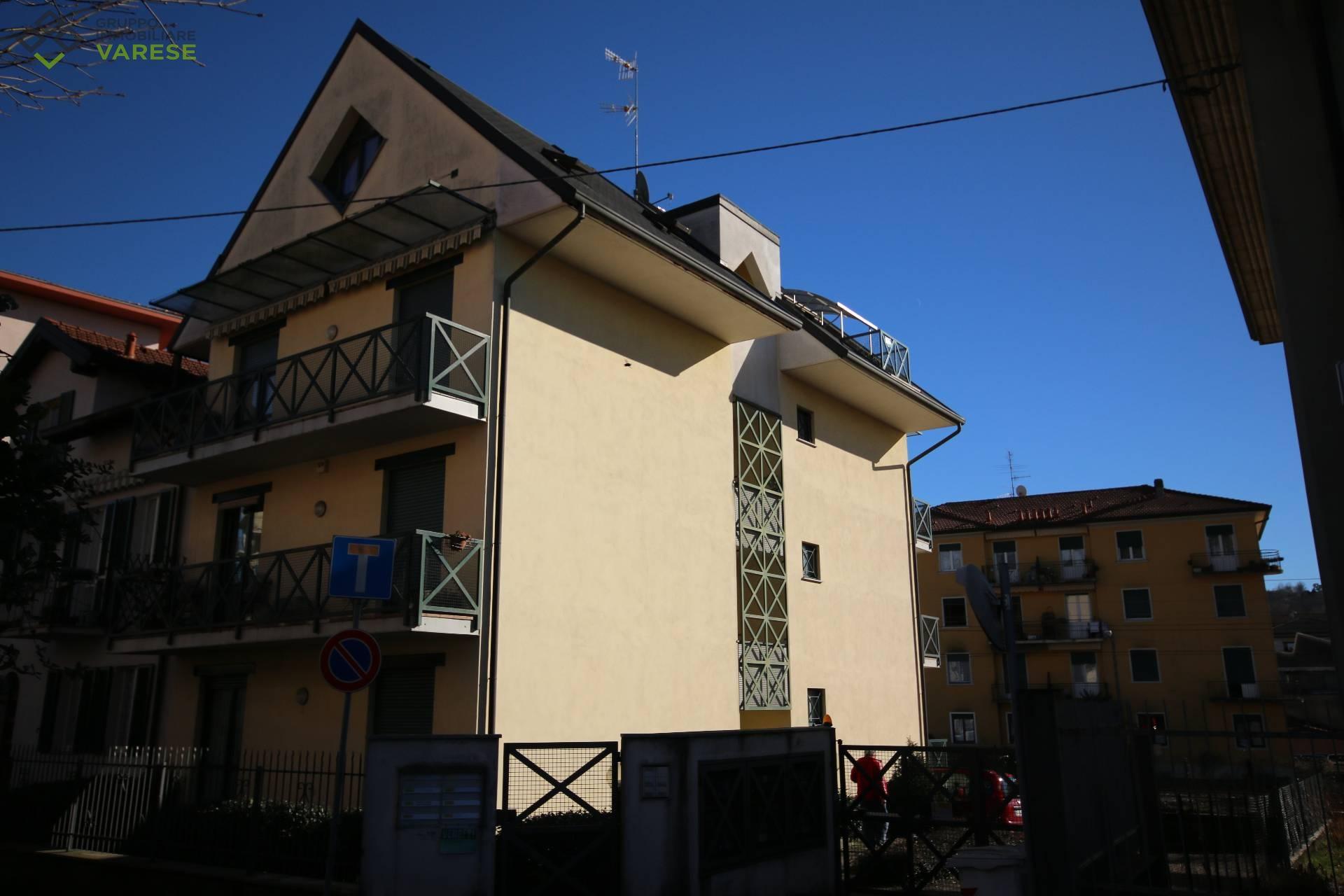 Appartamento in vendita a Gazzada Schianno, 1 locali, zona Zona: Gazzada, prezzo € 69.000 | CambioCasa.it