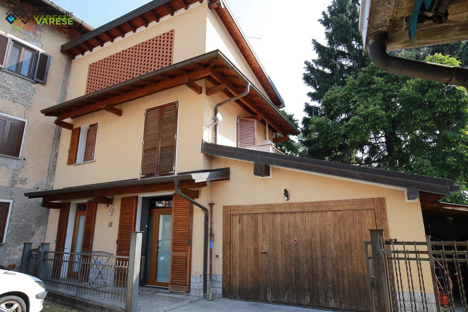 Soluzione Indipendente in vendita a Porto Ceresio, 4 locali, prezzo € 250.000 | CambioCasa.it