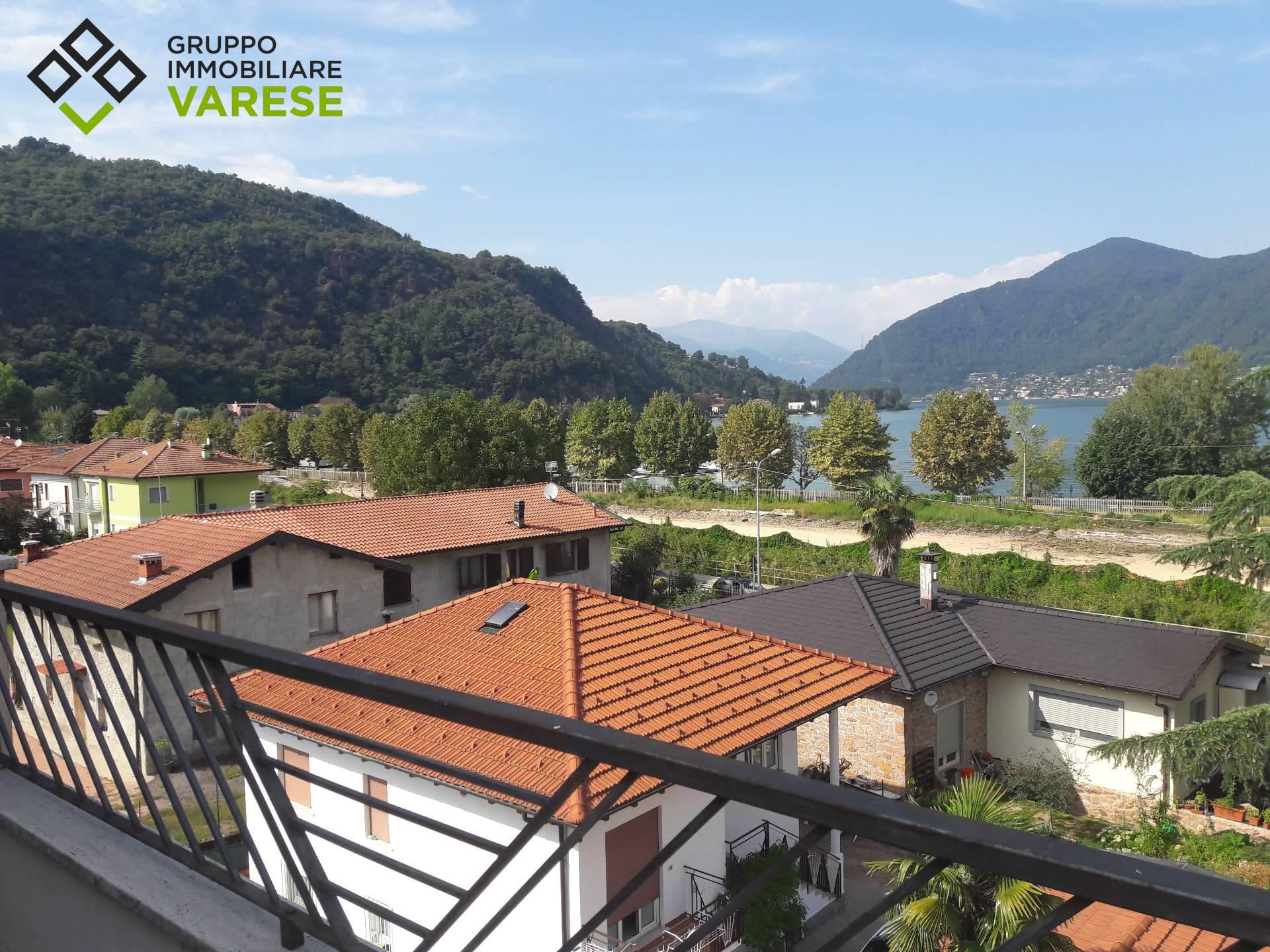 Appartamento in vendita a Porto Ceresio, 2 locali, prezzo € 119.000 | CambioCasa.it