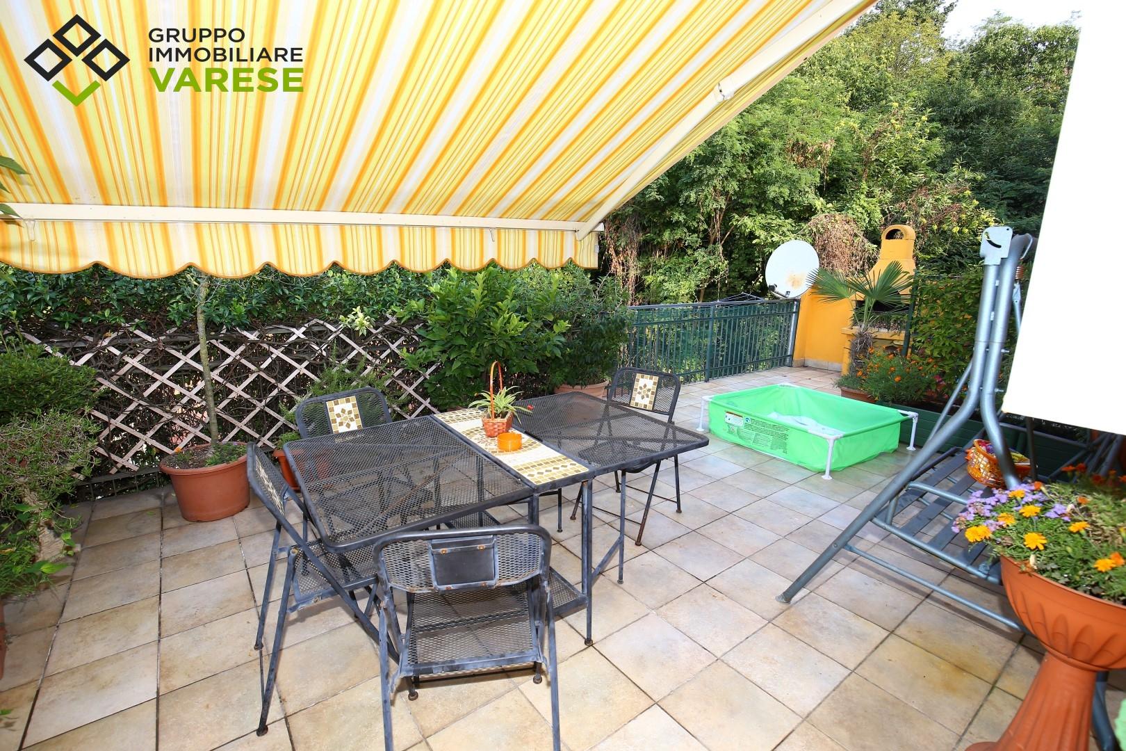 Appartamento in vendita a Brebbia, 3 locali, prezzo € 140.000 | CambioCasa.it