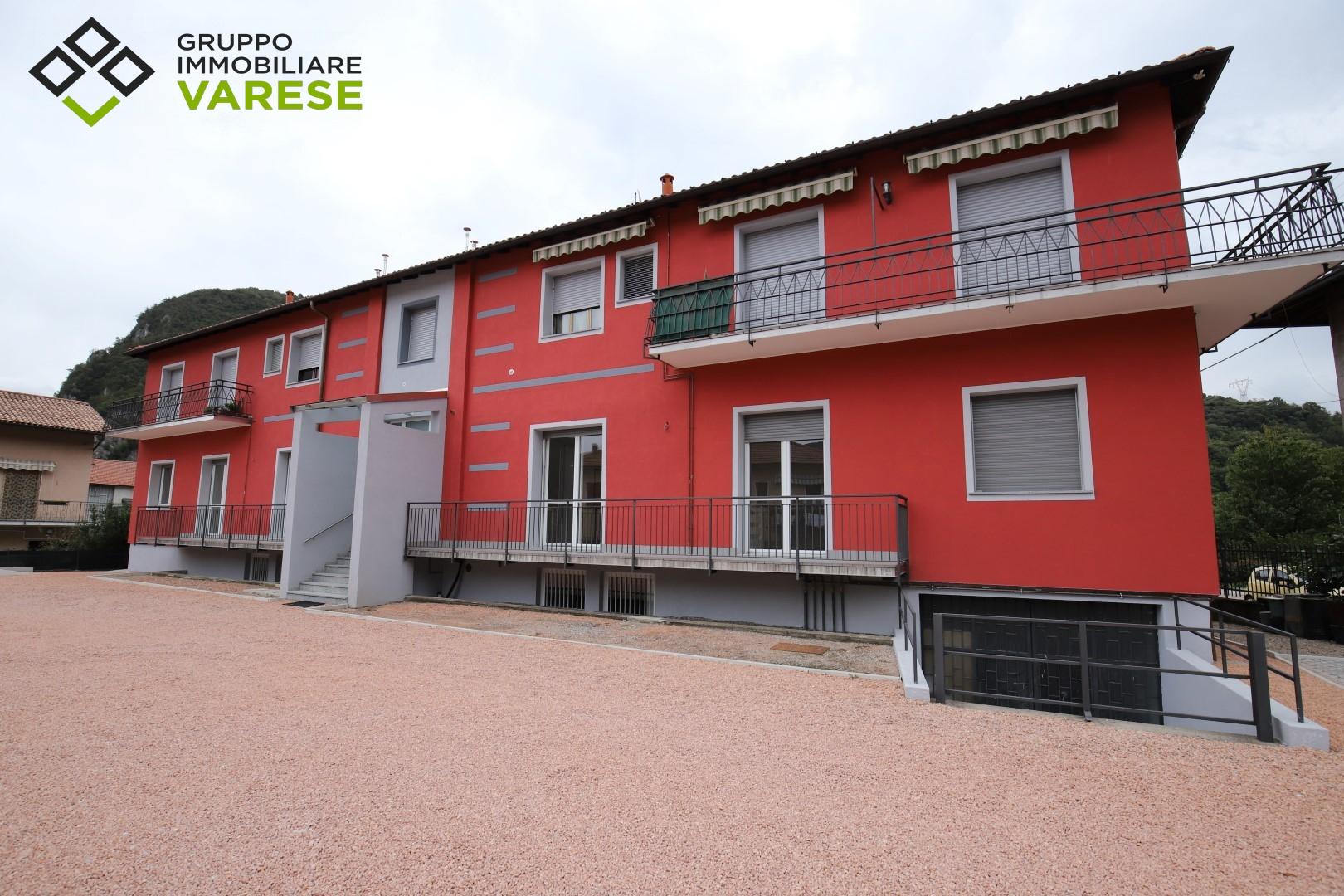 Appartamento in vendita a Bisuschio, 3 locali, zona Zona: Piamo, prezzo € 170.000 | CambioCasa.it