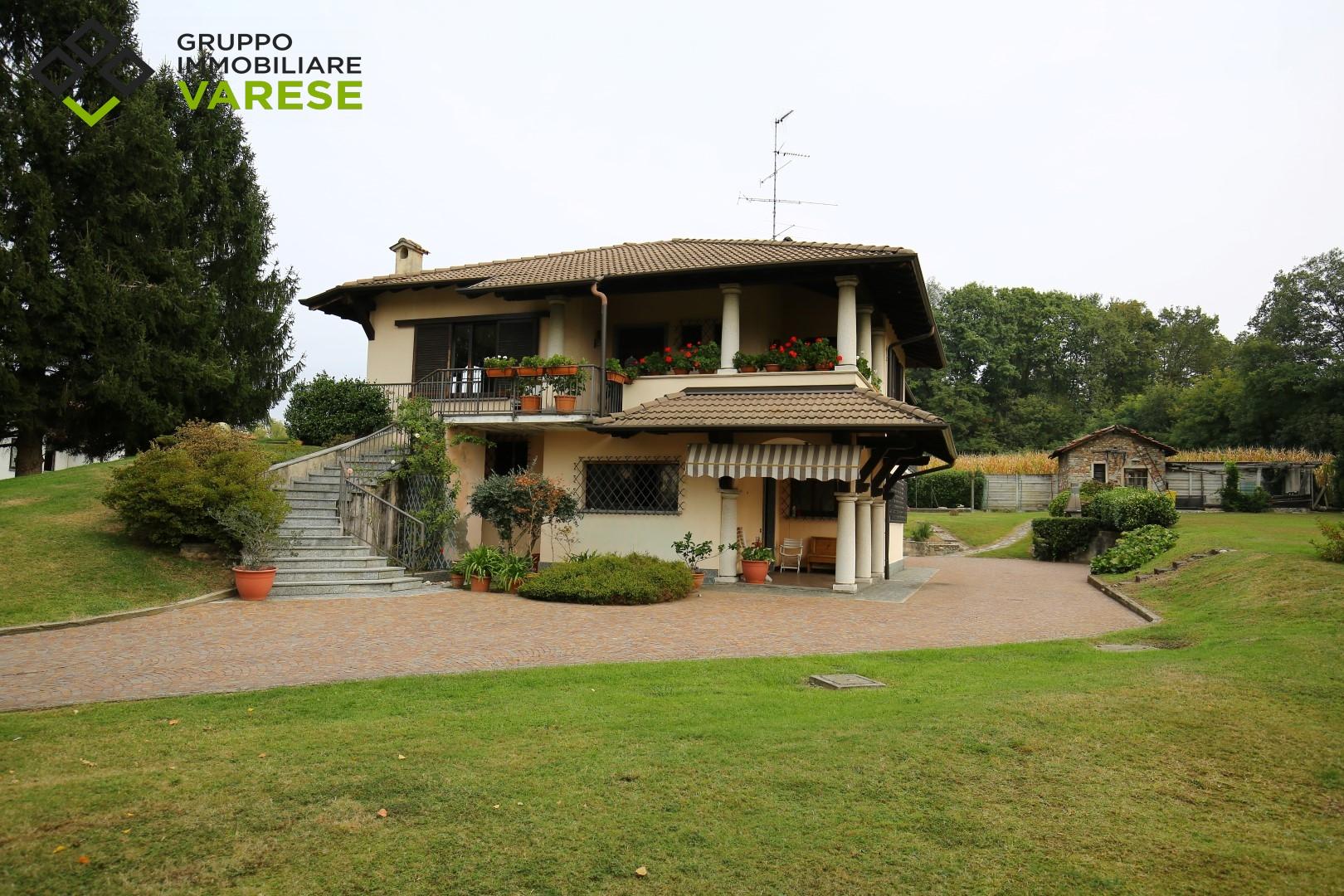 Villa in vendita a Sumirago, 5 locali, prezzo € 449.000 | CambioCasa.it