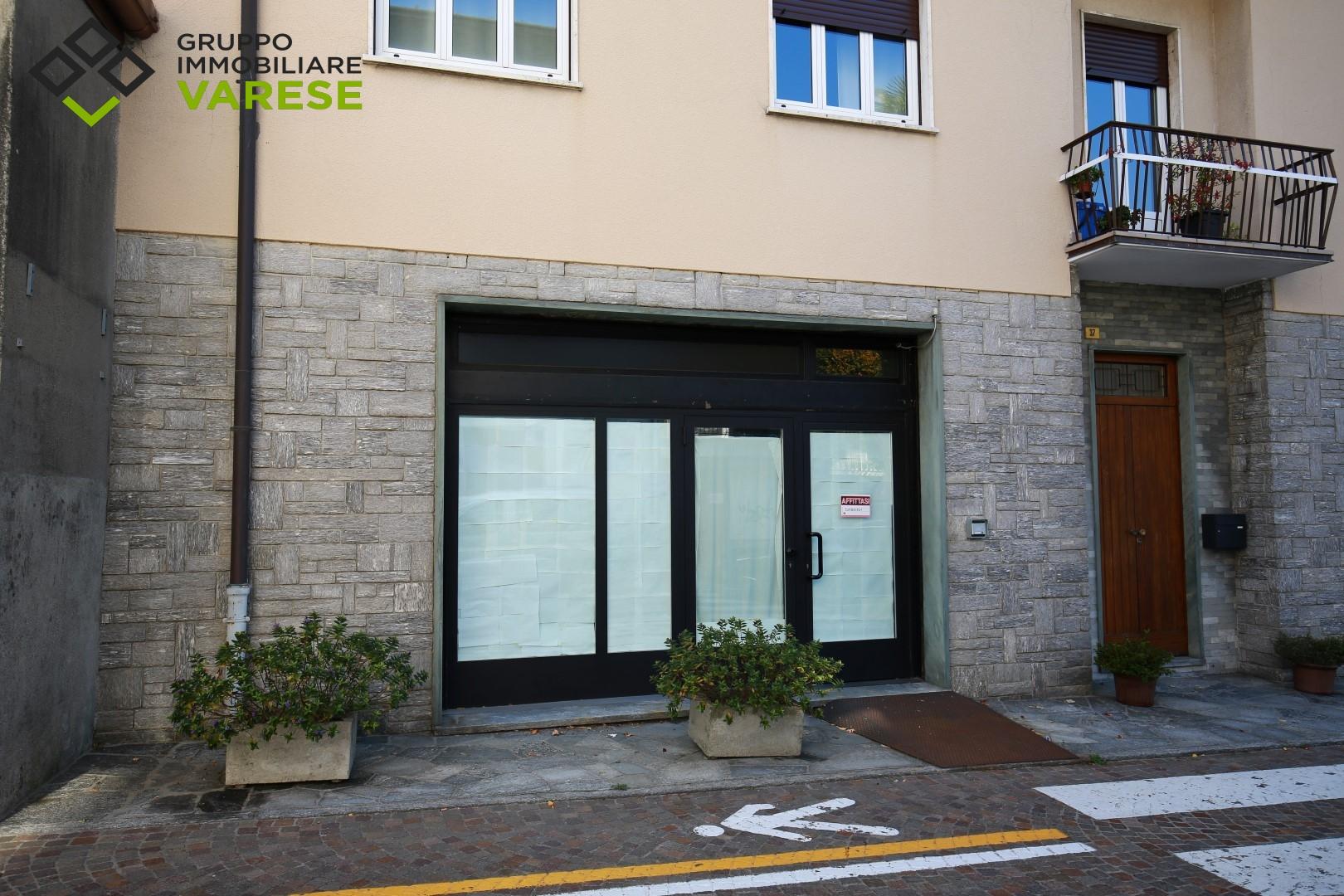 Negozio / Locale in affitto a Comerio, 9999 locali, prezzo € 750 | CambioCasa.it