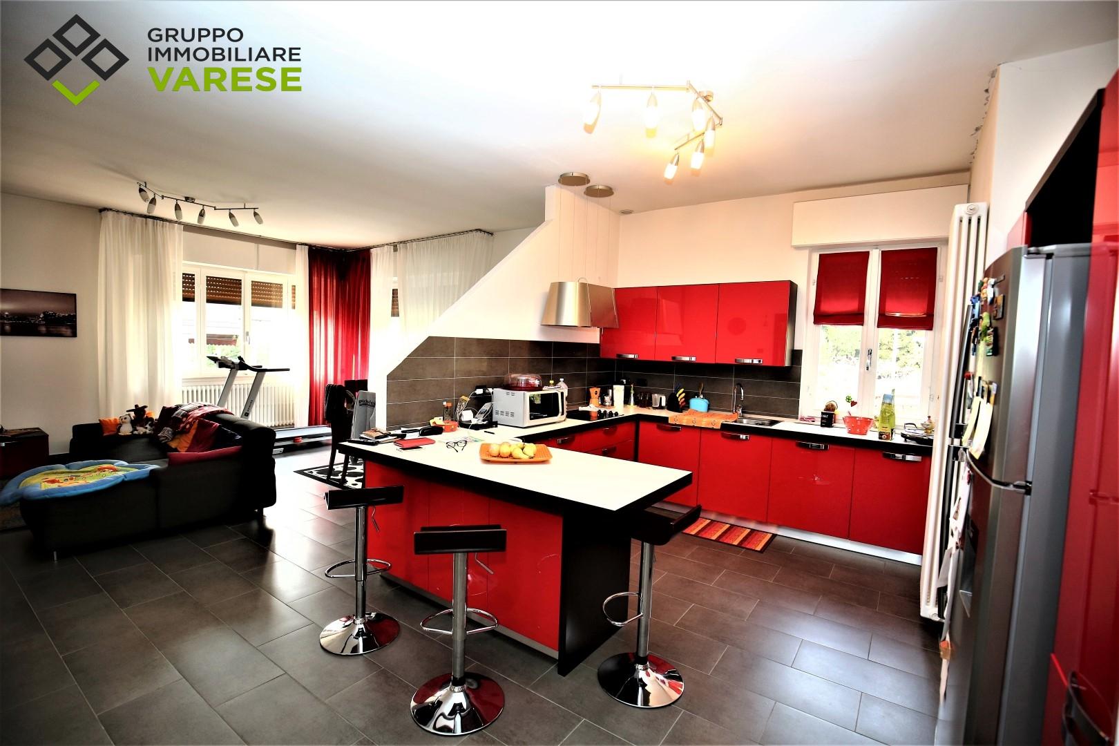 Appartamento in vendita a Morazzone, 2 locali, prezzo € 170.000 | CambioCasa.it