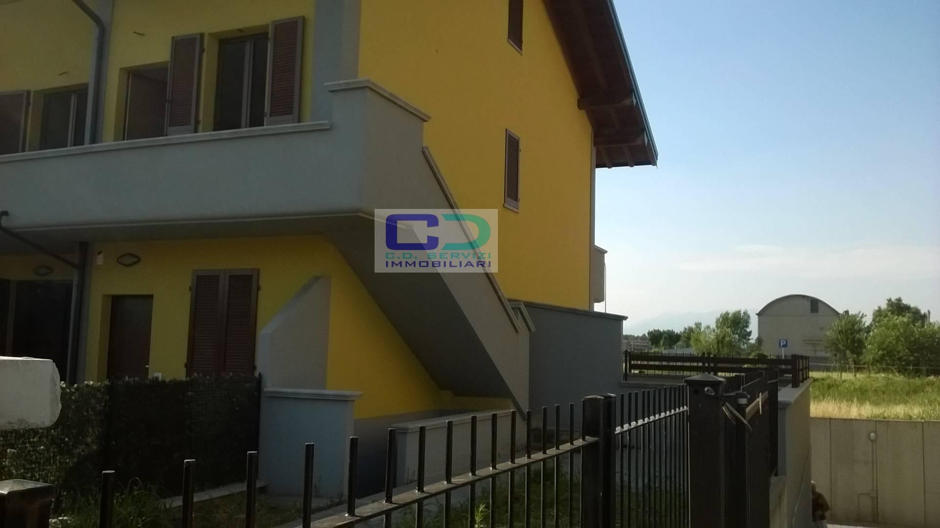 Appartamento in vendita a Ciserano, 4 locali, prezzo € 250.000   CambioCasa.it