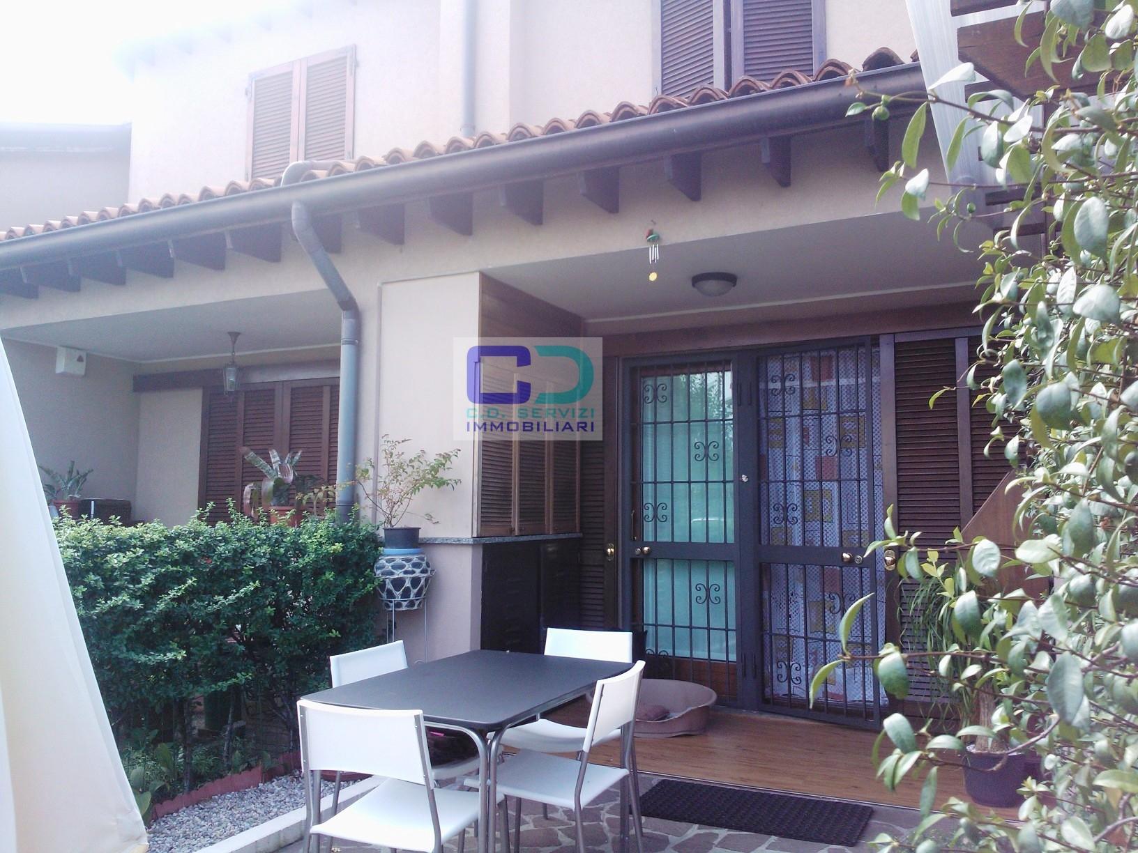 Villa a Schiera in vendita a Castel Rozzone, 4 locali, prezzo € 219.000   CambioCasa.it
