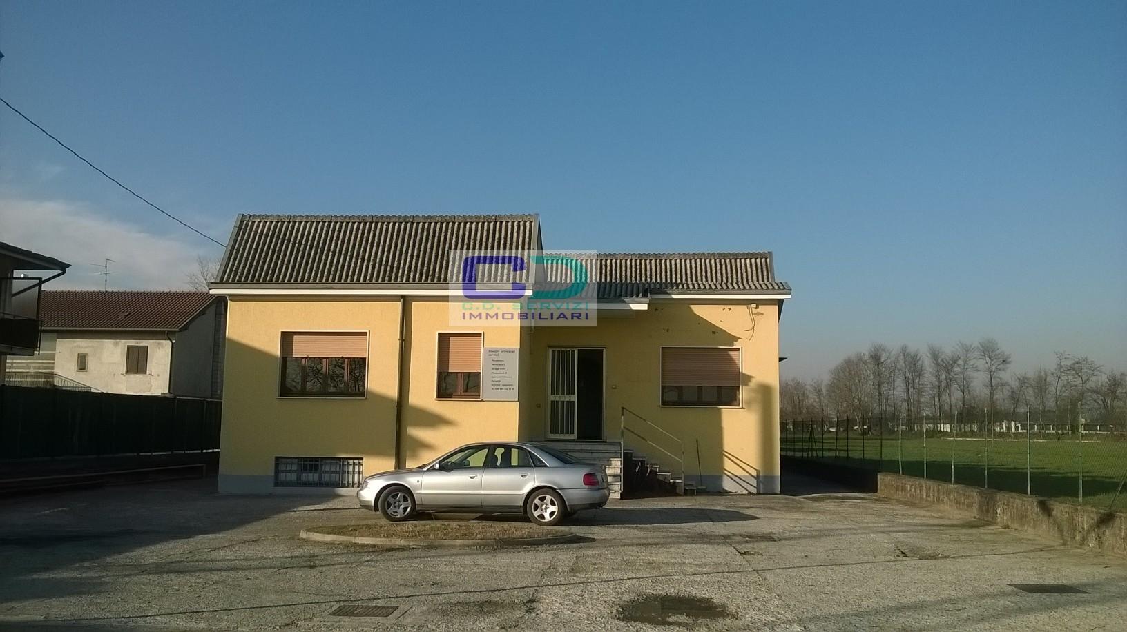 Capannone in vendita a Fara Gera d'Adda, 9999 locali, prezzo € 250.000 | CambioCasa.it