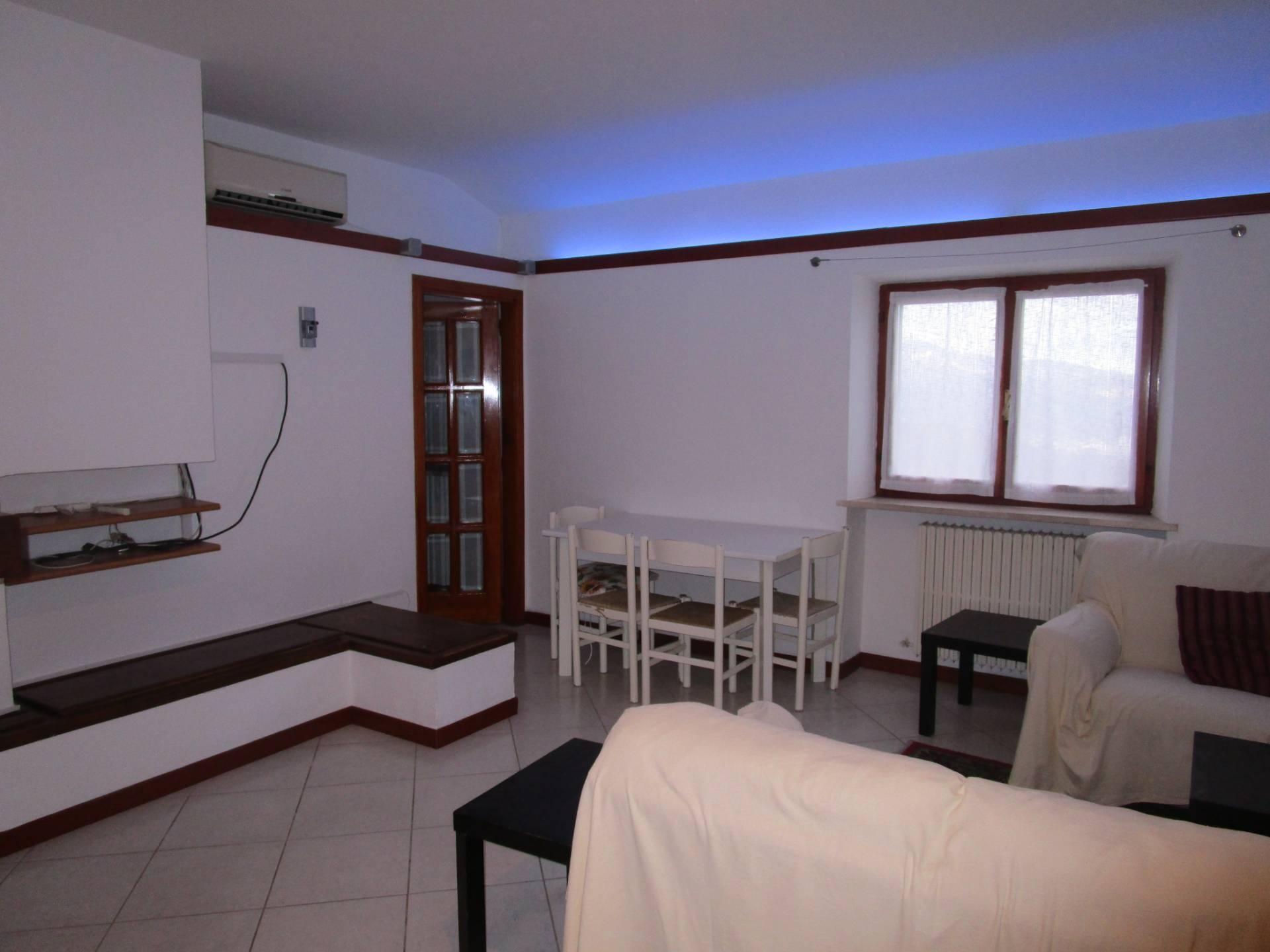 Appartamento in affitto a Folignano, 4 locali, prezzo € 400 | CambioCasa.it