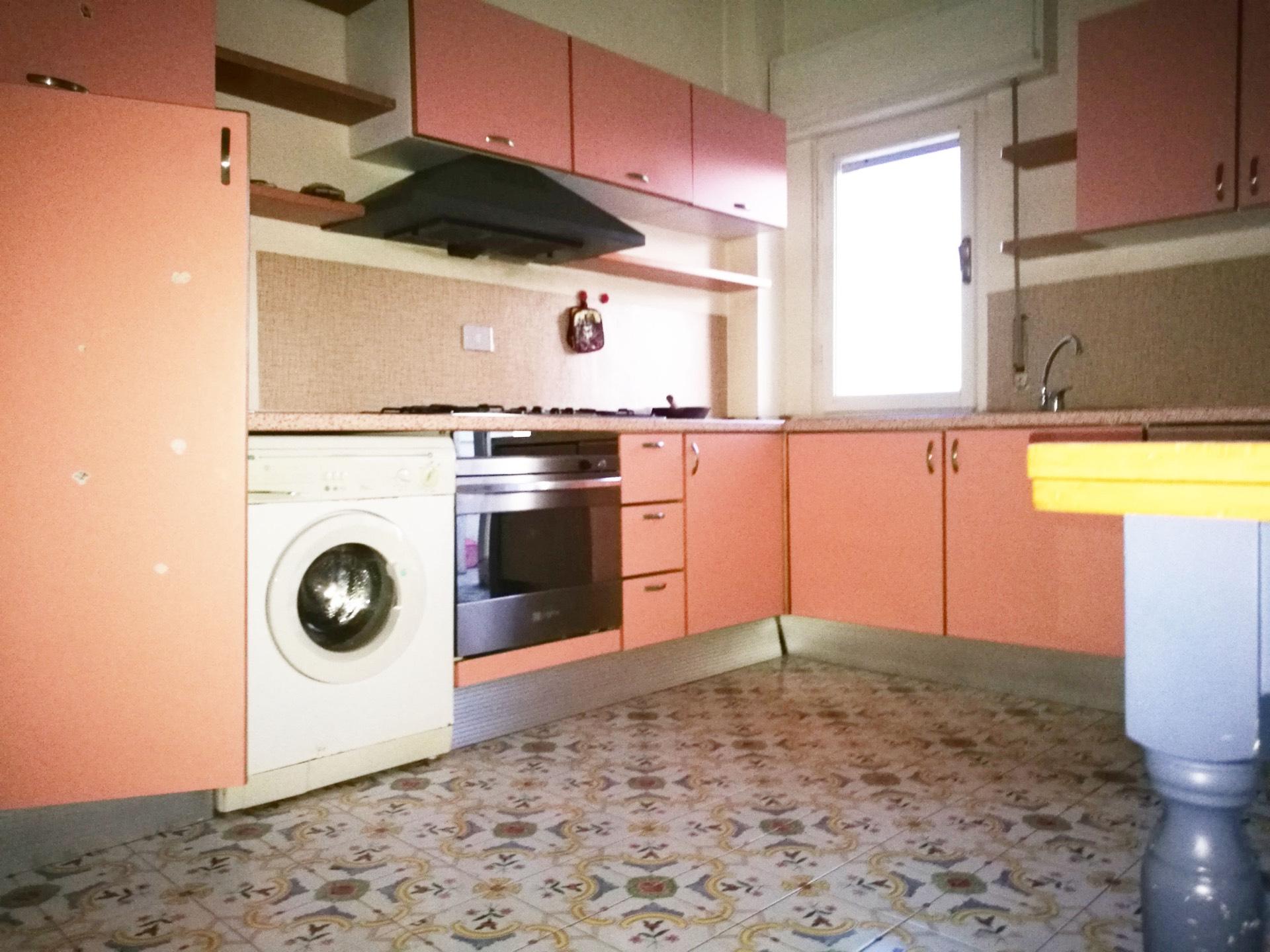 Appartamento in affitto a Pontedera, 6 locali, zona Località: Centro, prezzo € 650   CambioCasa.it
