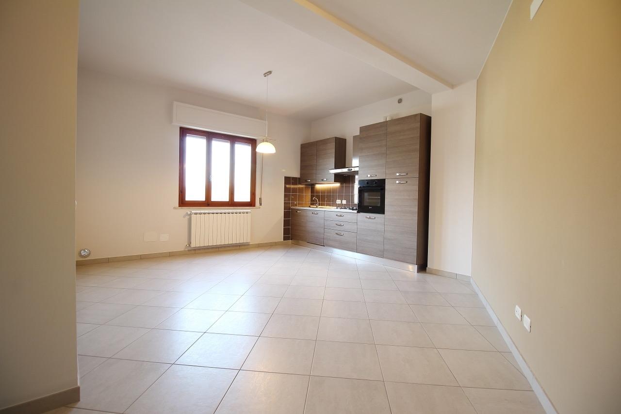 Appartamento in affitto a Bientina, 4 locali, prezzo € 590   CambioCasa.it