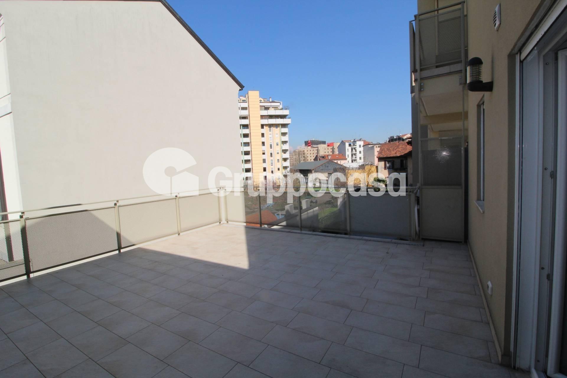 Appartamento in Vendita a Milano 10 Isola / Centrale / Gioia: 2 locali, 90 mq
