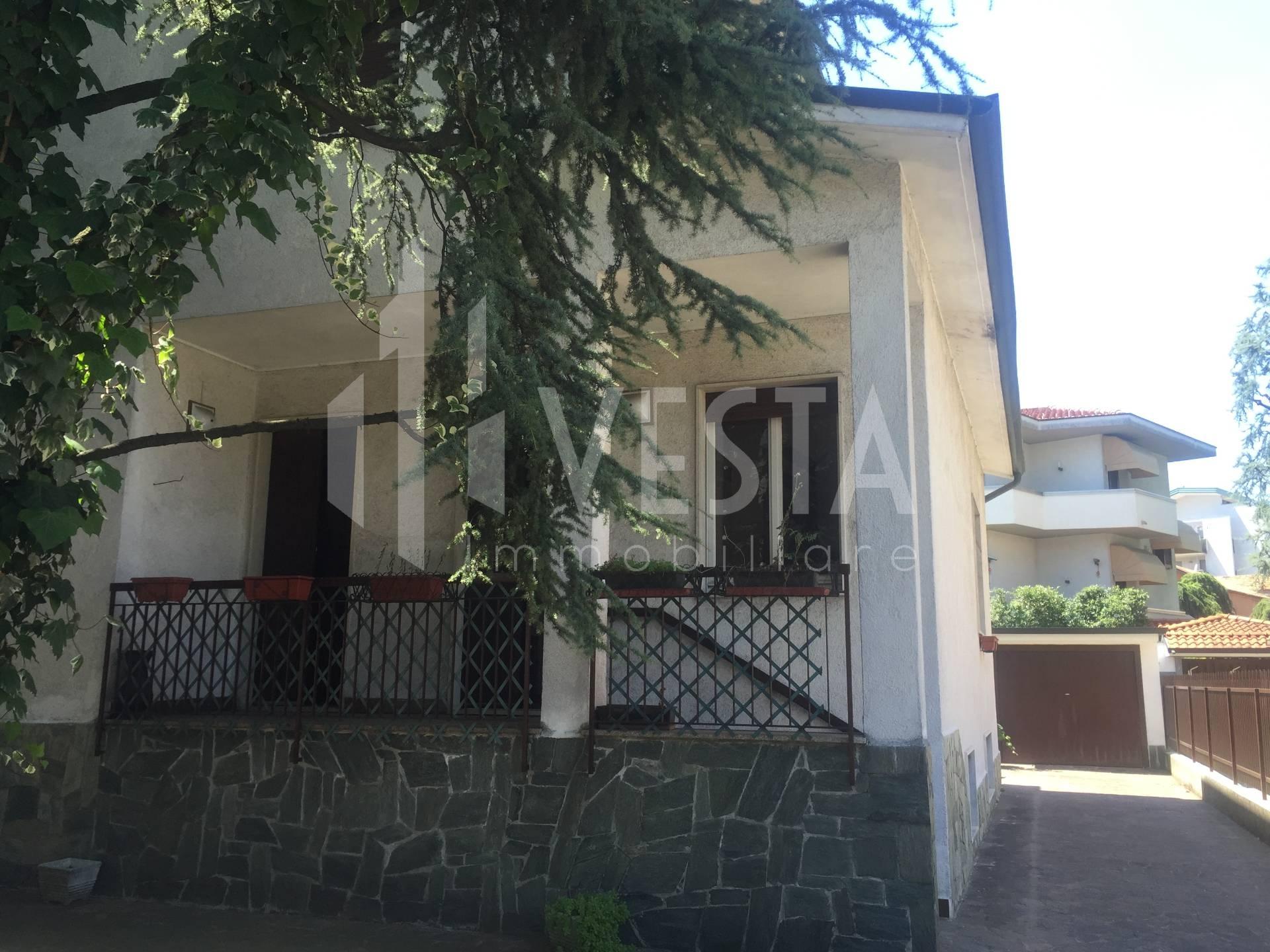 Villa in vendita a Vimercate, 7 locali, prezzo € 398.000 | CambioCasa.it