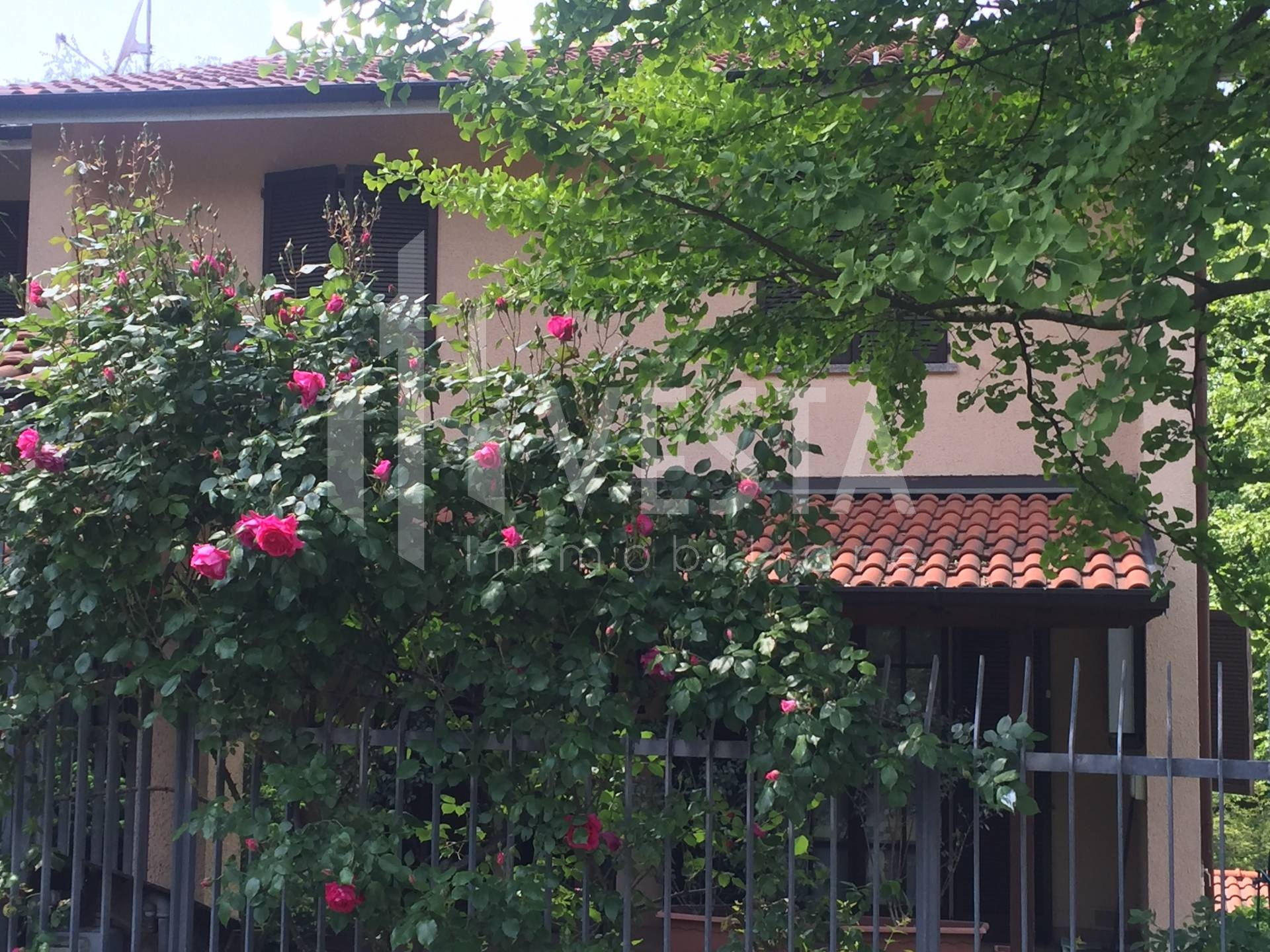 Villa Bifamiliare in Vendita a Monticello Brianza