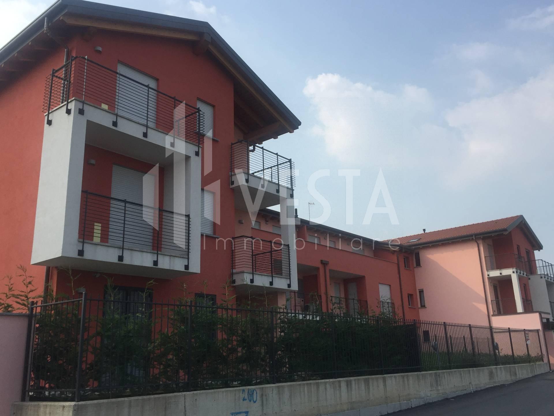 Appartamento in affitto a Ronco Briantino, 2 locali, zona Località: semicentro, prezzo € 530 | CambioCasa.it