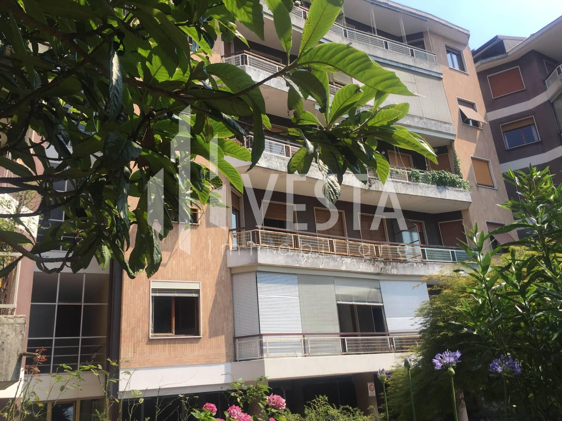 Appartamento in vendita a Merate, 3 locali, zona Località: CENTRO, prezzo € 130.000   CambioCasa.it