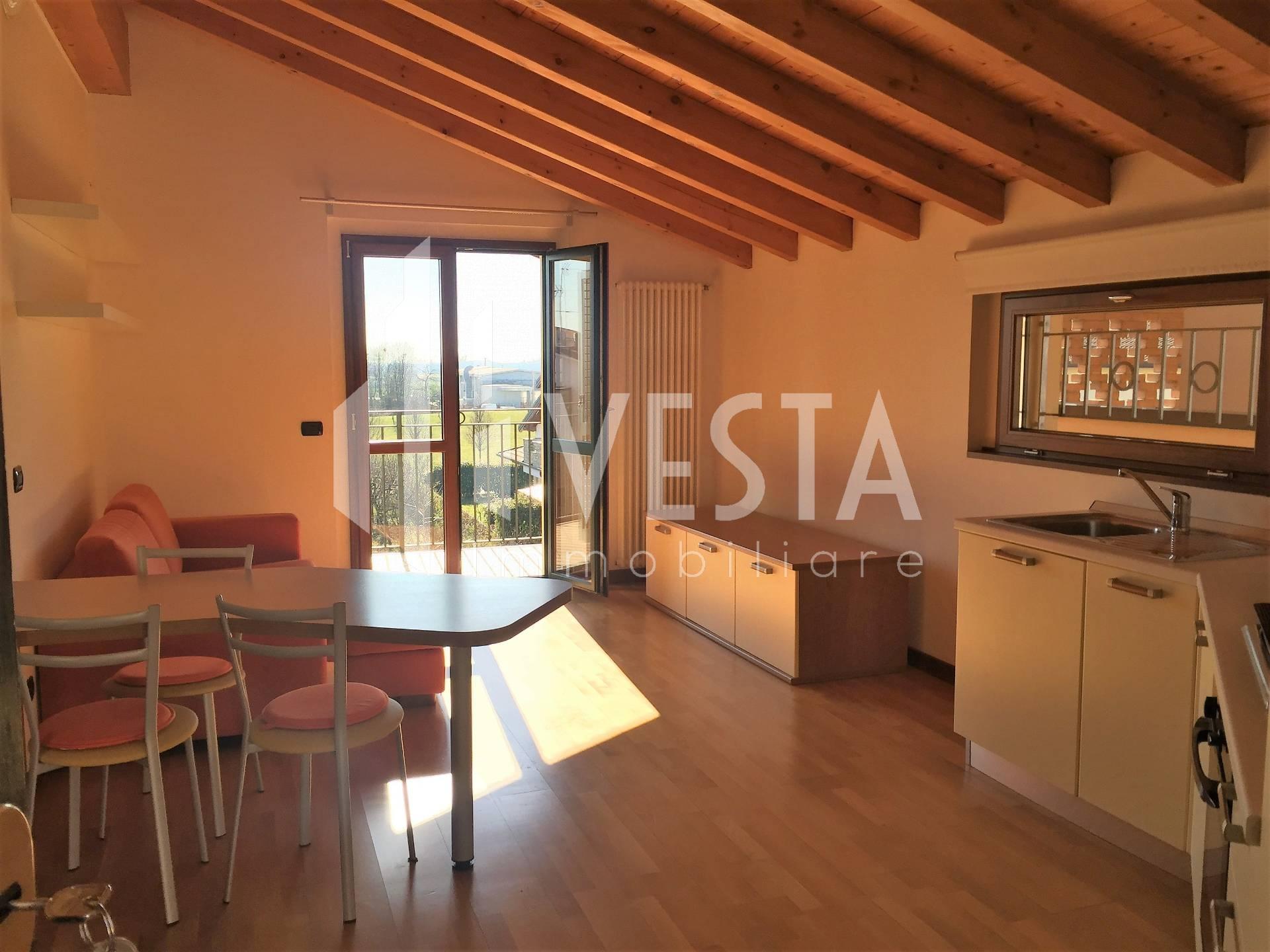 Appartamento in affitto a Bellusco, 2 locali, prezzo € 570 | CambioCasa.it