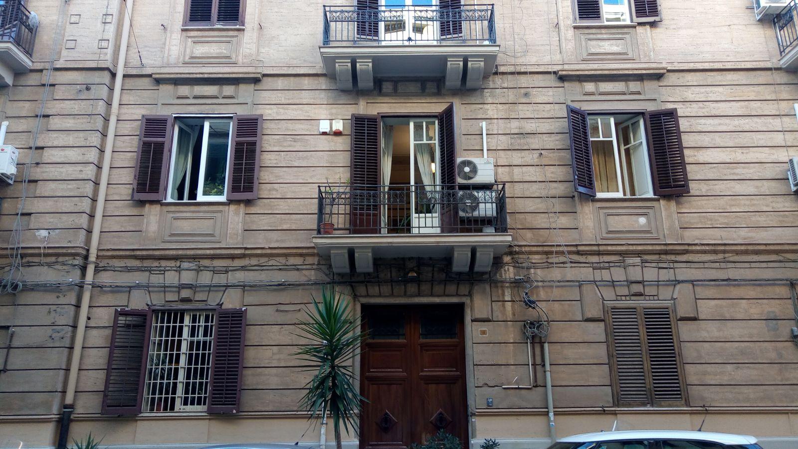 Attività / Licenza in affitto a Palermo, 9999 locali, zona Zona: Politeama, prezzo € 1.100 | CambioCasa.it