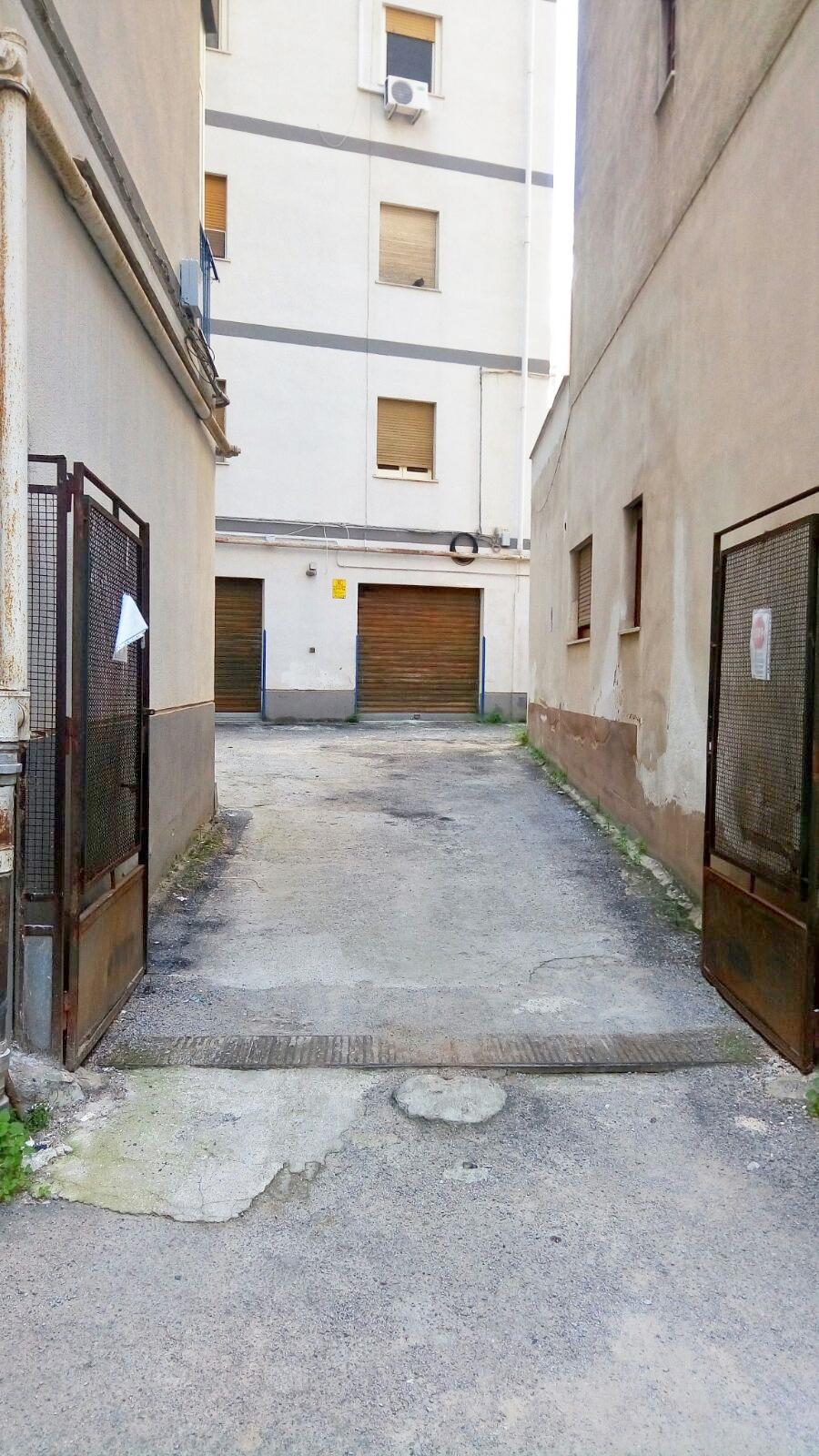 Attività / Licenza in affitto a Palermo, 9999 locali, zona Zona: Calatafimi, prezzo € 700 | CambioCasa.it