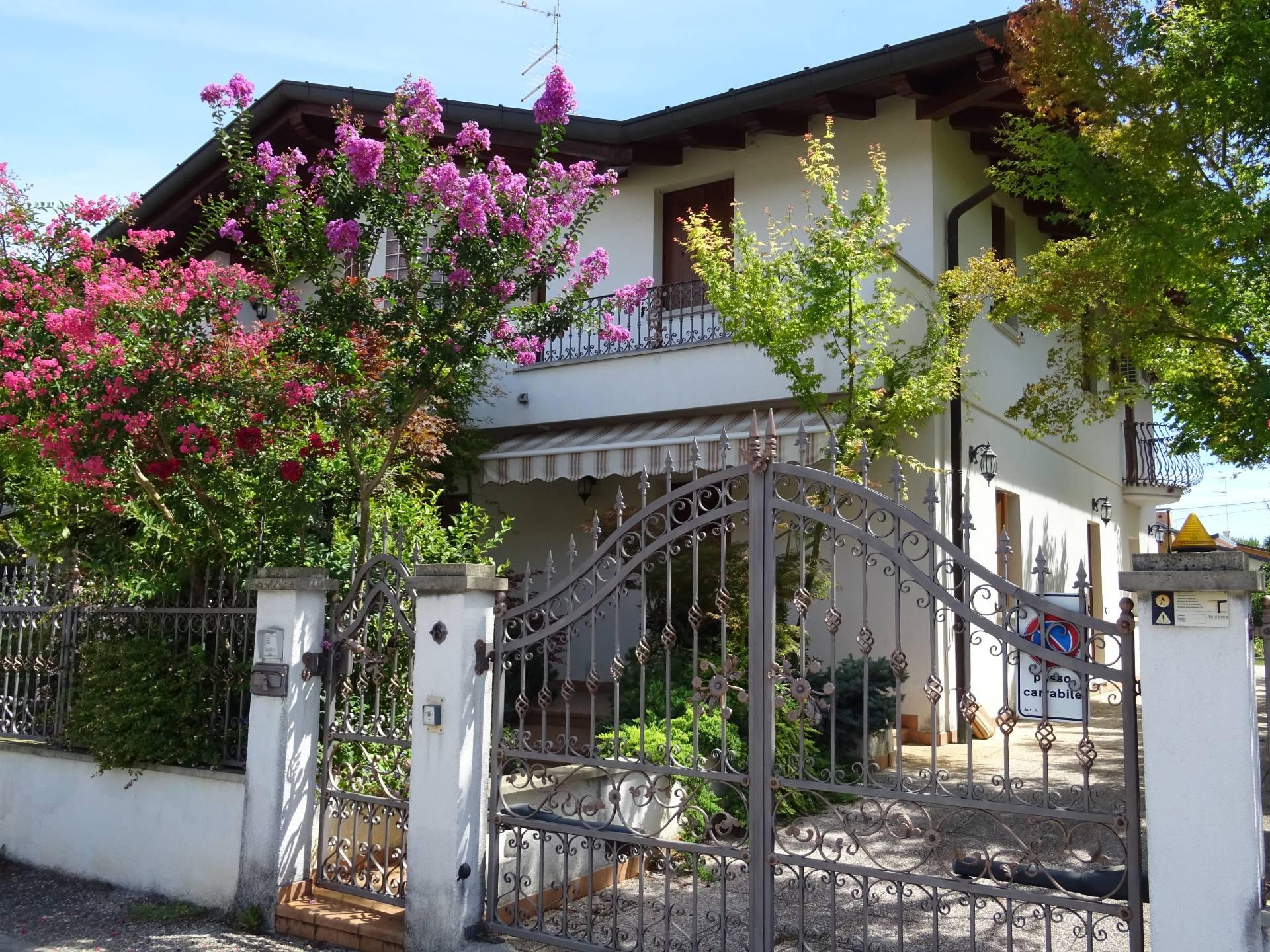 Villa Bifamiliare in Vendita a San Giorgio di Nogaro
