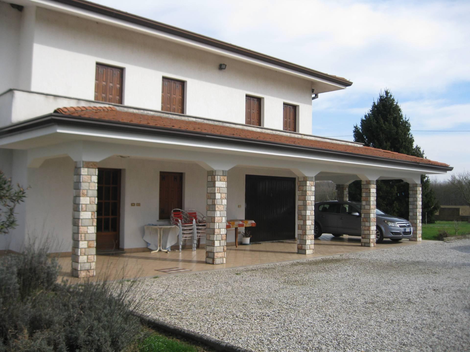 Villa Bifamiliare in affitto a Porpetto, 7 locali, prezzo € 750 | CambioCasa.it