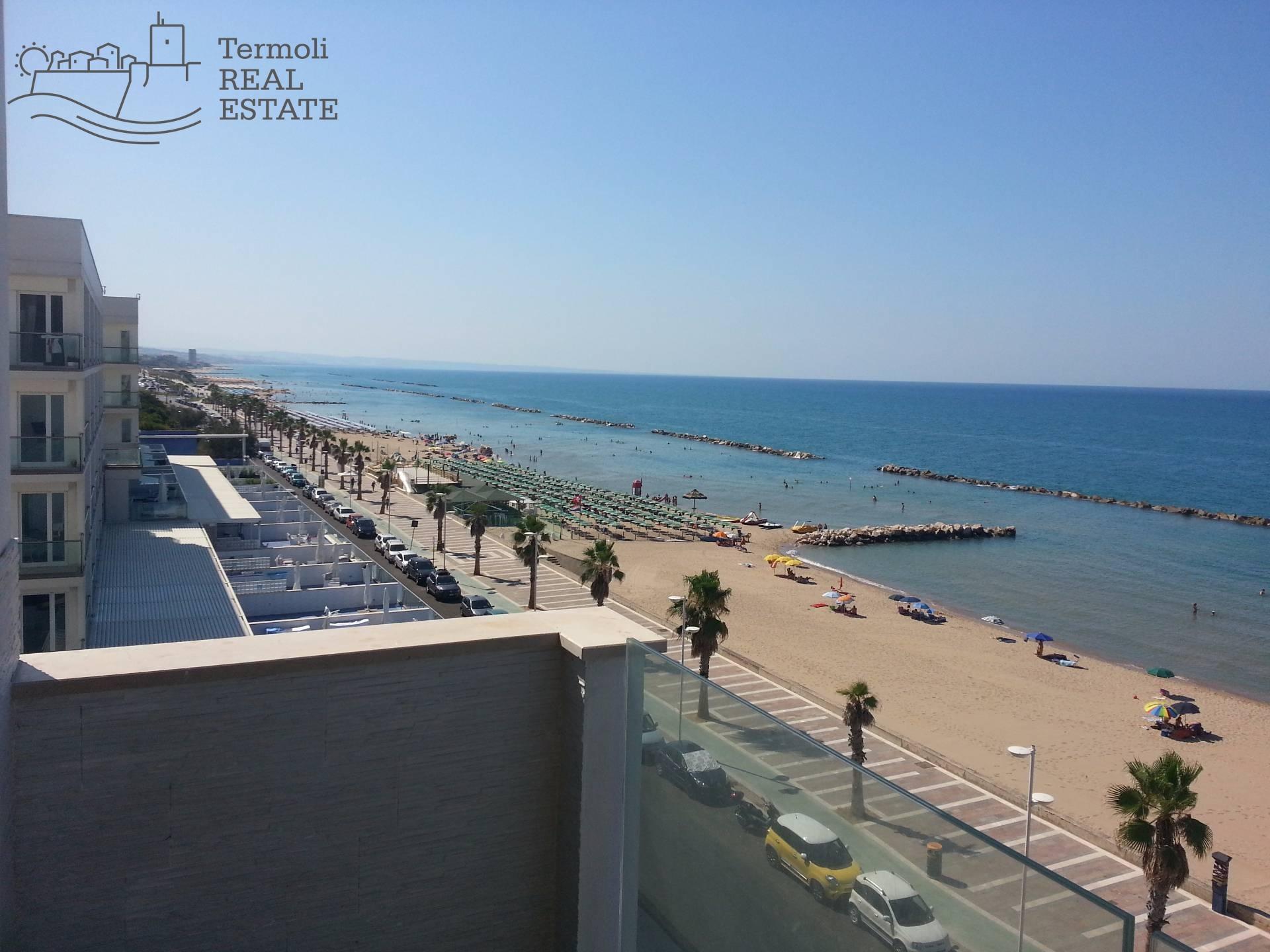 Appartamento in vendita a Termoli, 3 locali, zona Località: Lungomare, Trattative riservate | CambioCasa.it